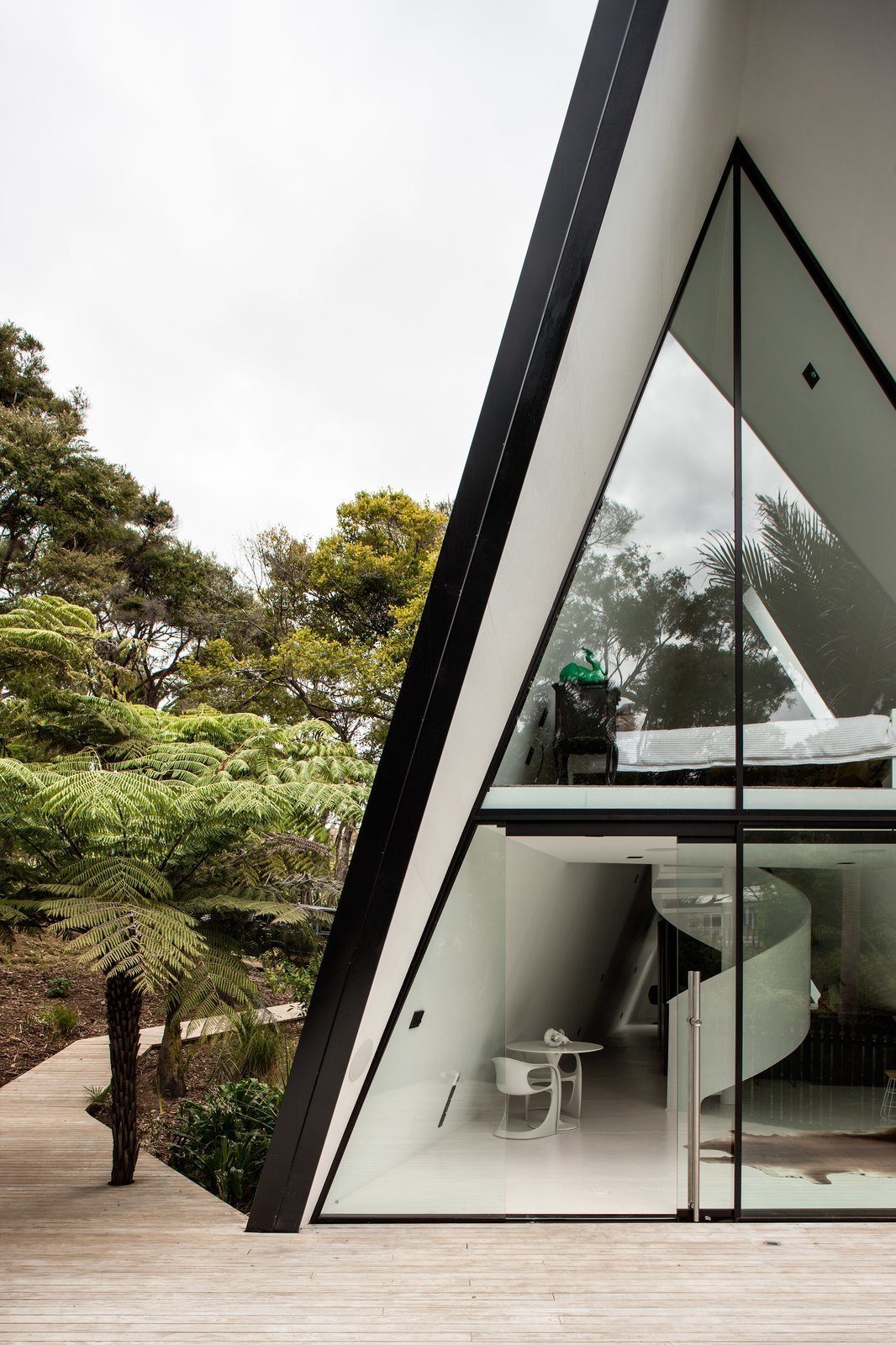 This modern tent house is a fuss free nature escape curbed for Tent a house