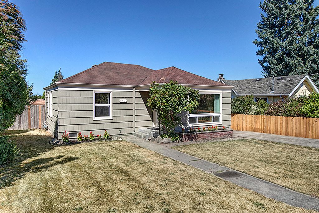 5 of the least expensive homes in rainier beach curbed for Least expensive house