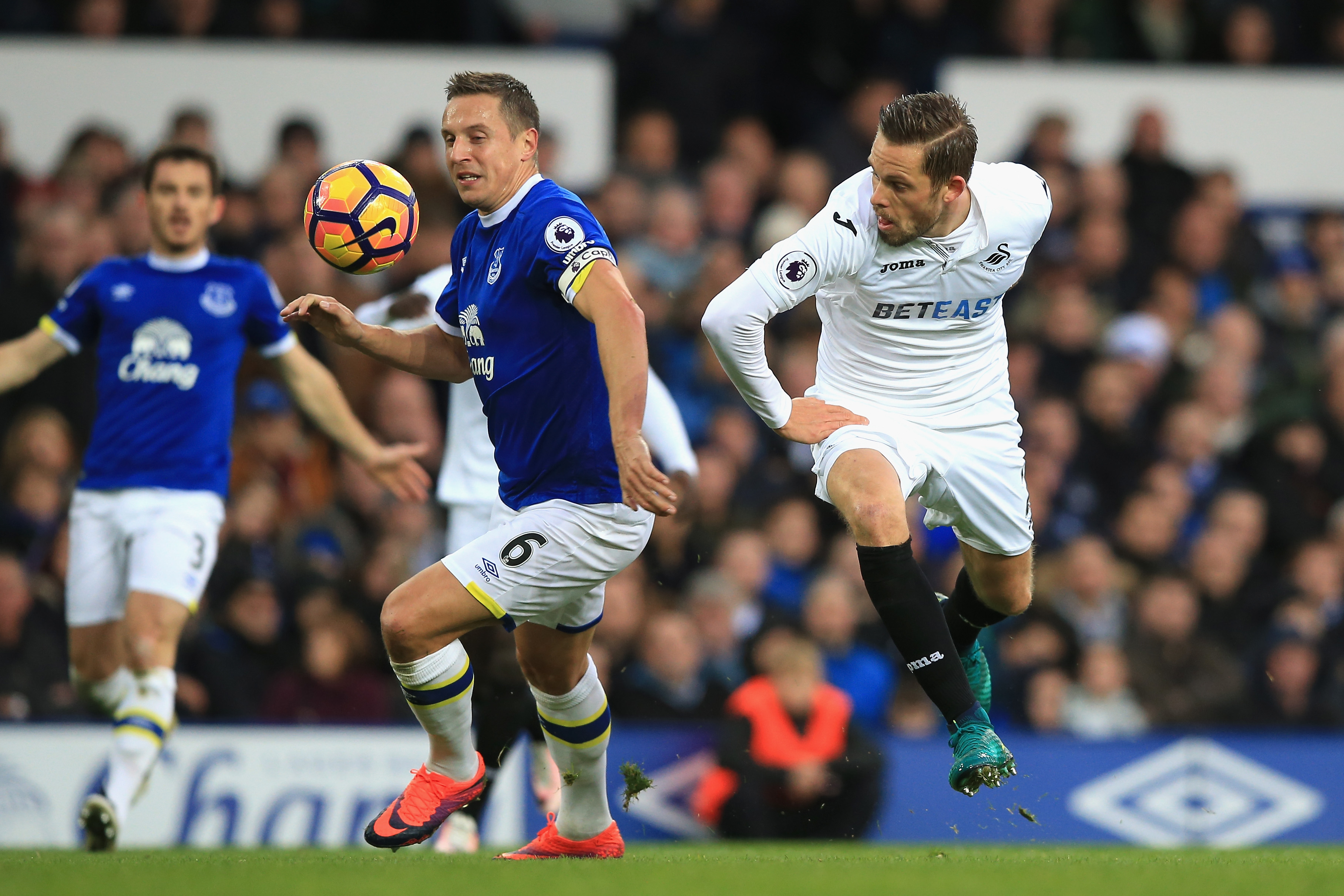 Everton Sign Swansea Midfielder Gylfi Sigurdsson in £45m Deal