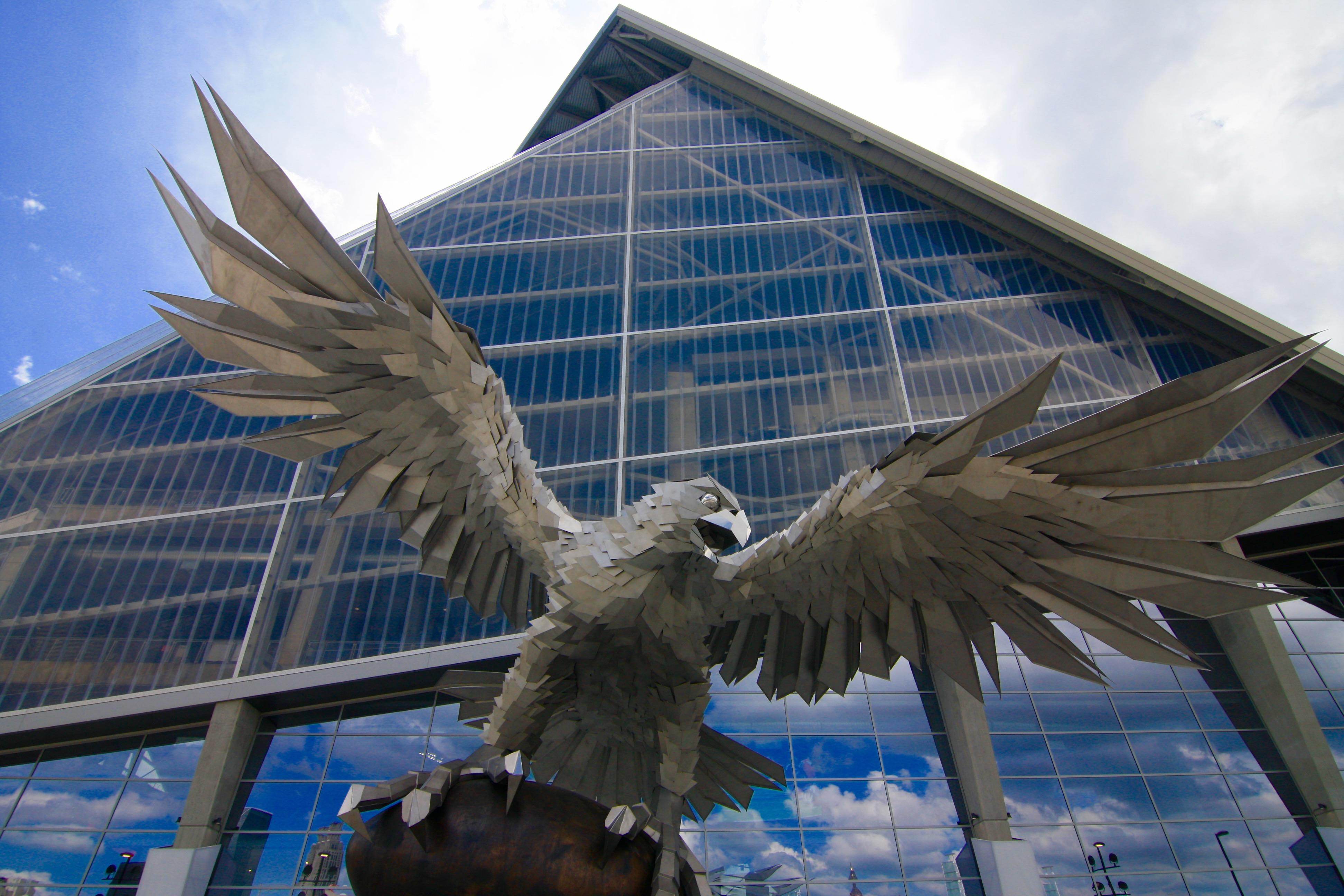 The atlanta falcons mercedes benz stadium now finished for Mercedes benz stadium falcon statue