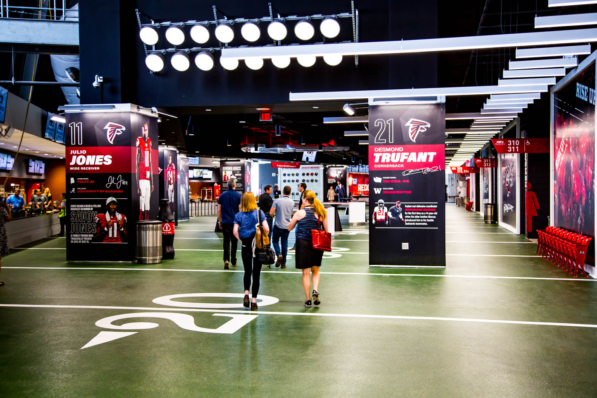 Where to eat at mercedes benz stadium home of the atlanta for Club level mercedes benz stadium