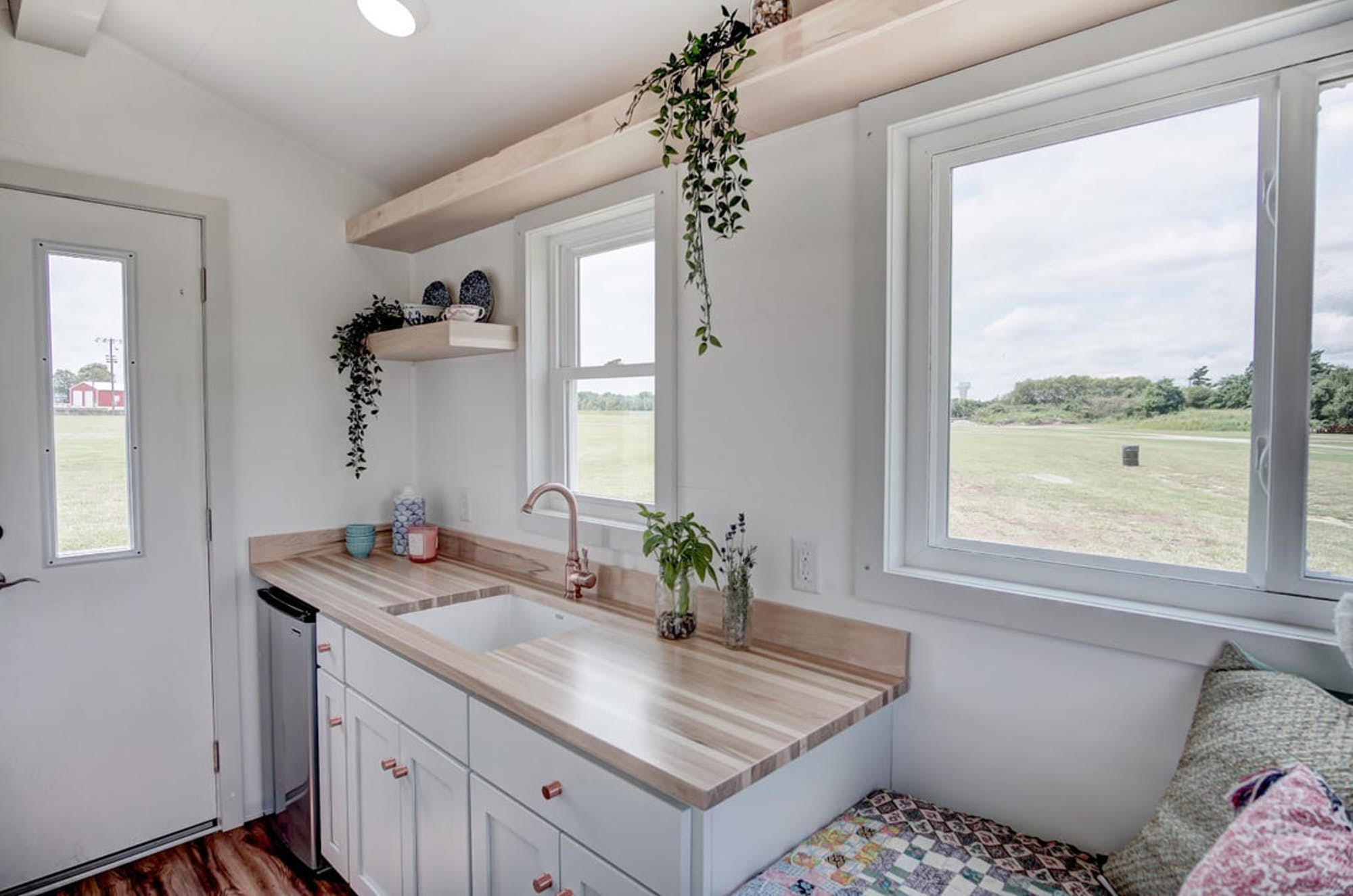 Modern Tiny House Interior: Tiny House Packs All The Essentials In 100 Square Feet