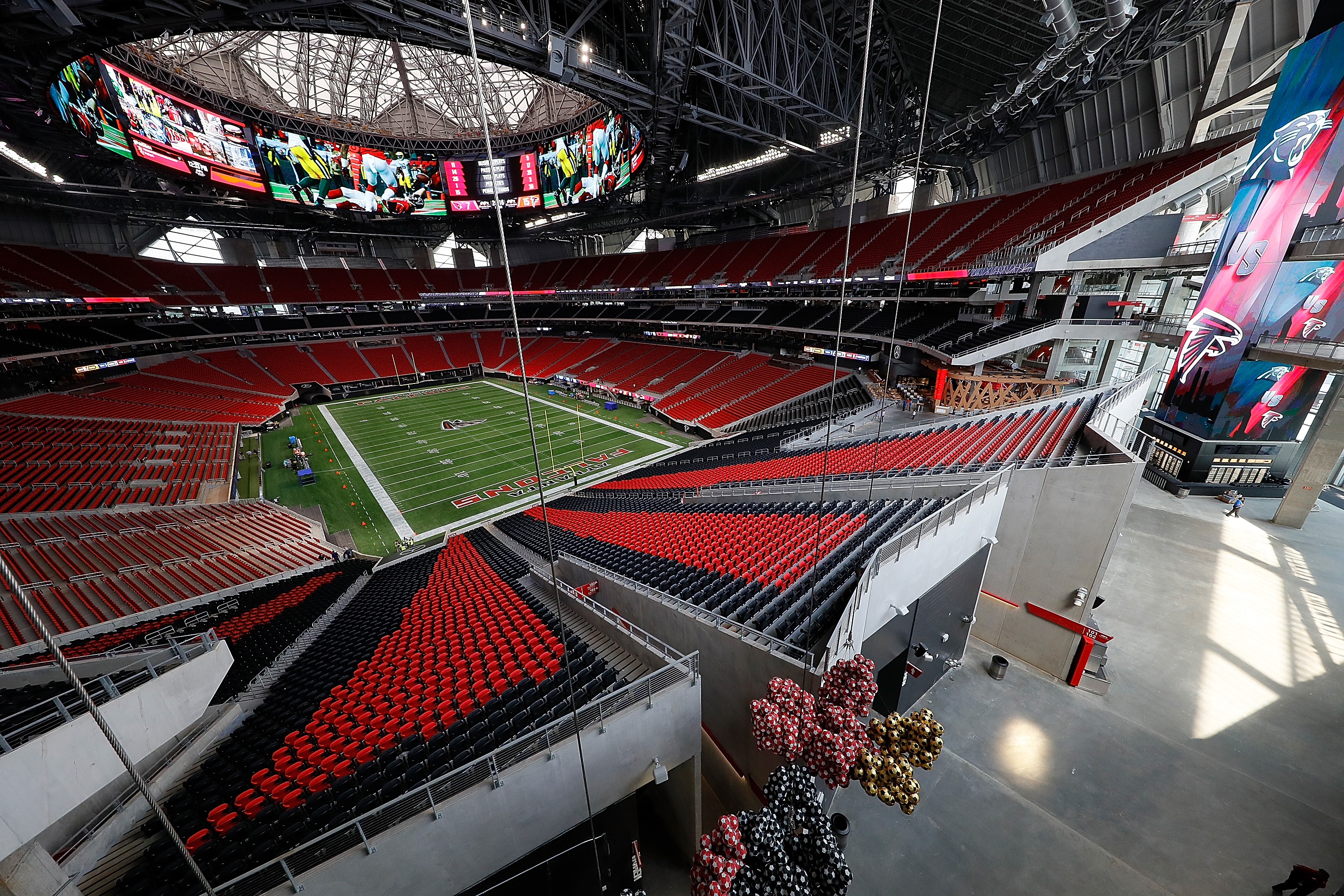 New atlanta stadium s 7 wildest features meet mercedes for Mercedes benz superdome suites
