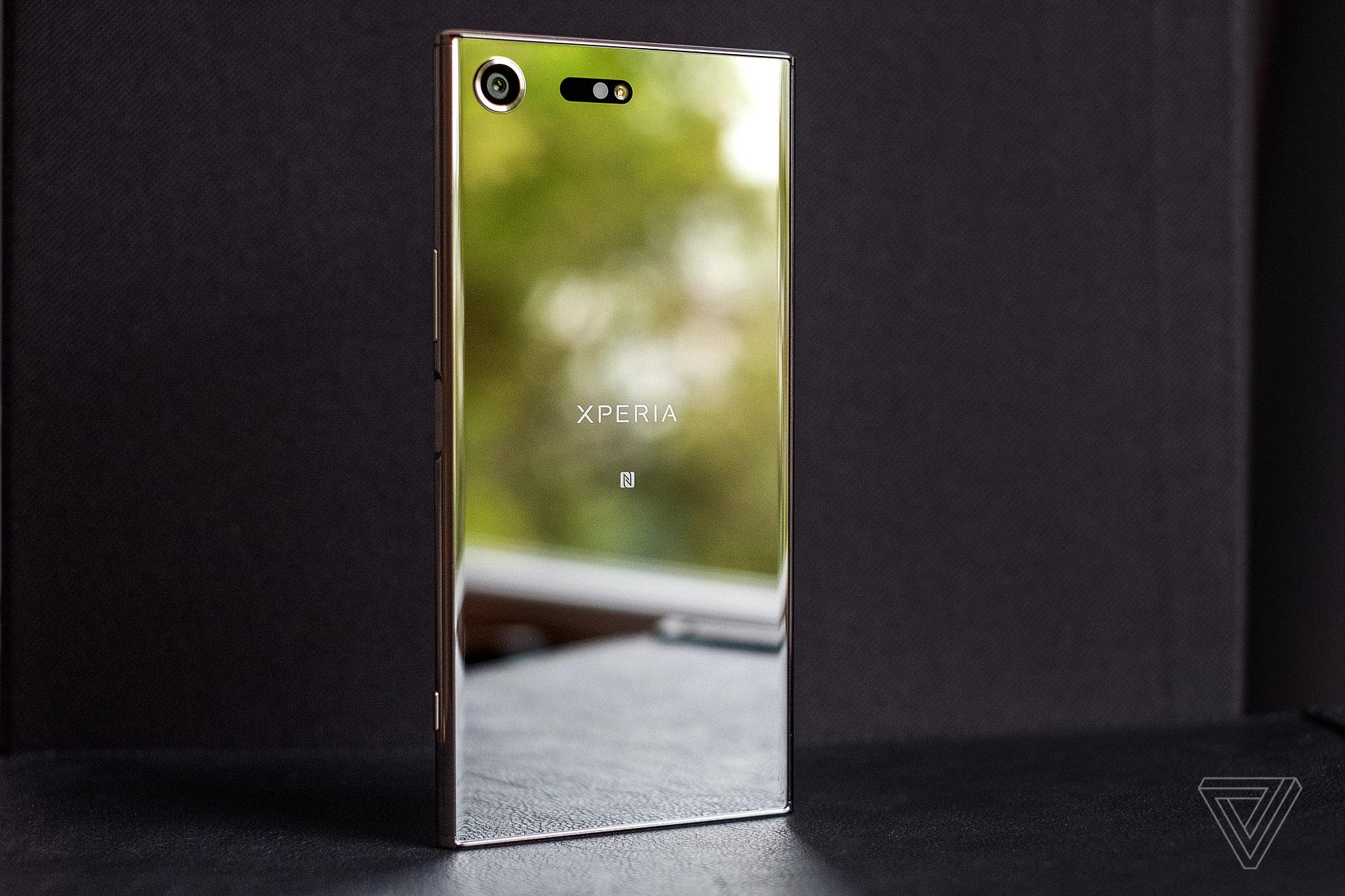 Картинки по запросу Sony Xperia XZ Premium