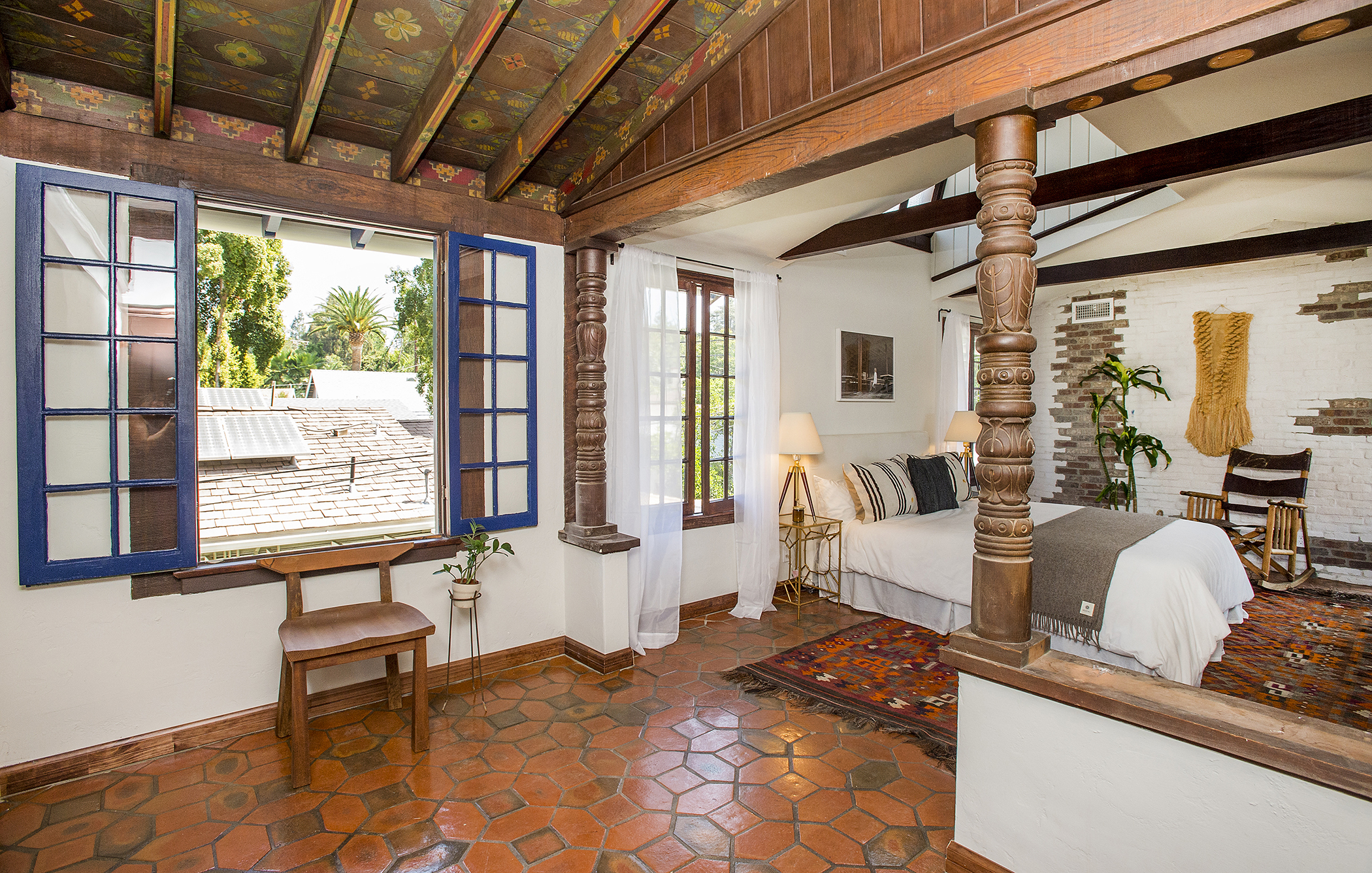 dramatic spanish style house with painted ceilings asks 1 6m in