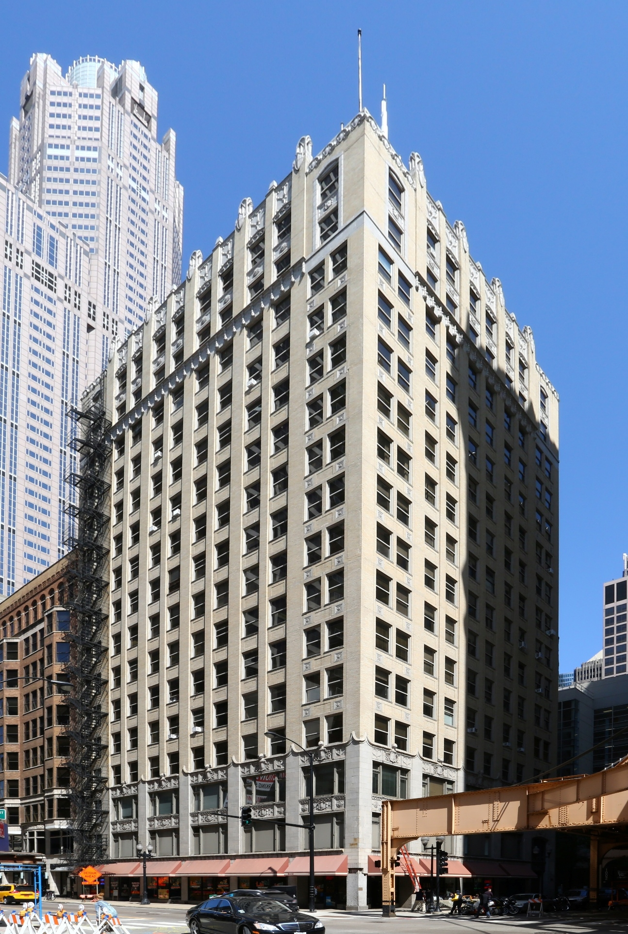 Old 1927 chicago loop office building begins mixed use for House construction insurance