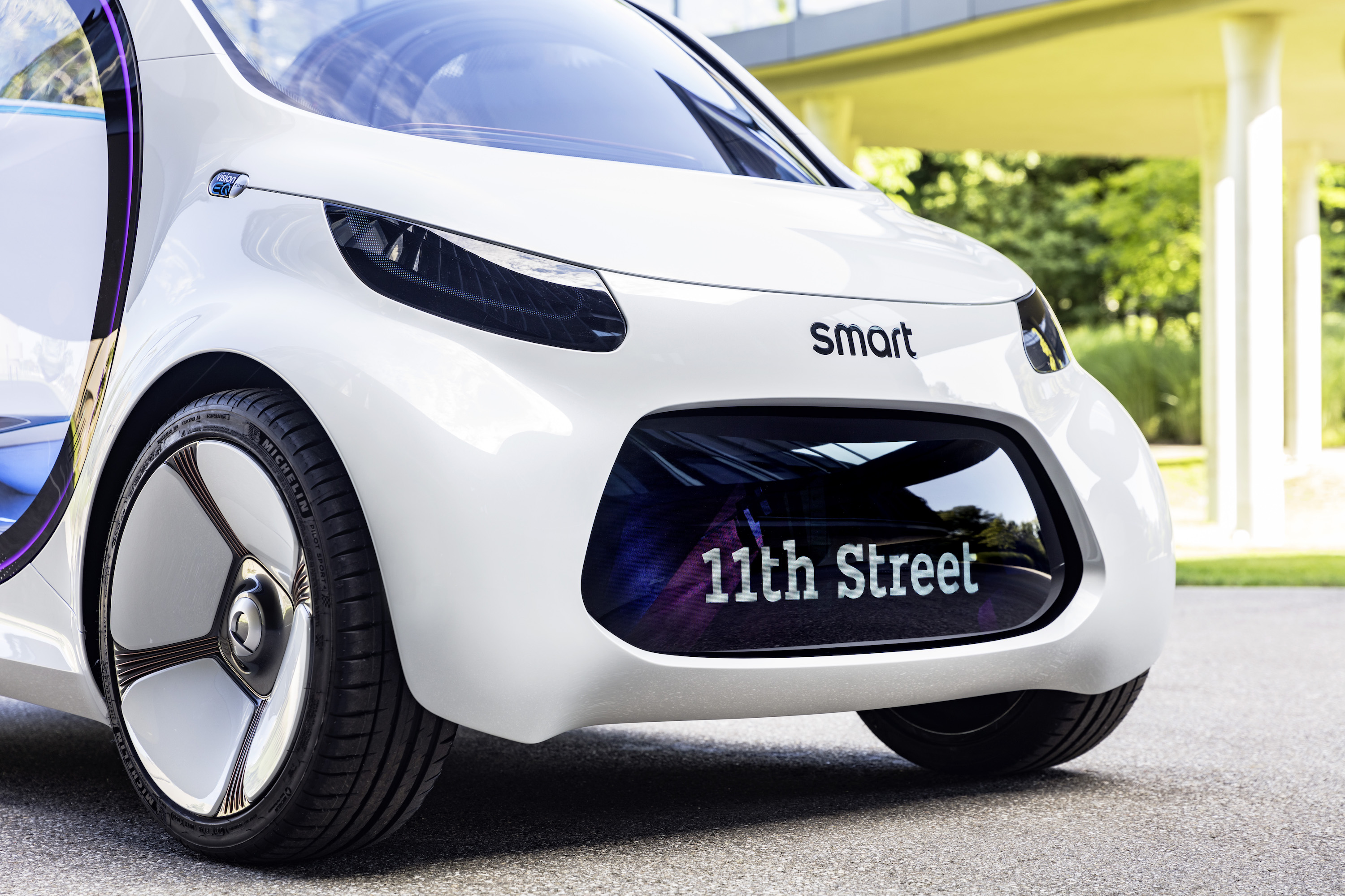 Here's how Daimler is evolving its tiny Smart car for self ...