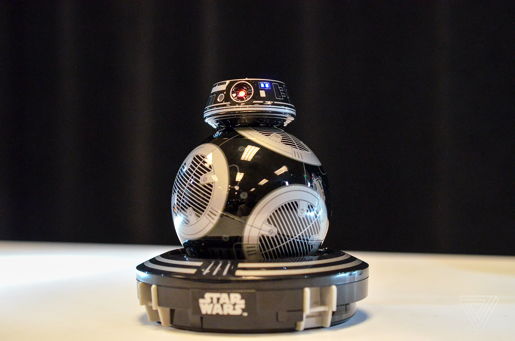 Sphero S New Toy Bb 9e An Unknown Droid In Star Wars