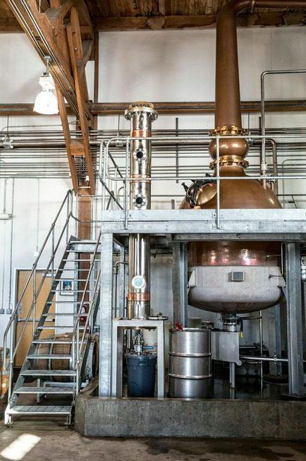 Behind-the-scenes: Distillery No  209 with Arne Hillesland - Eater SF