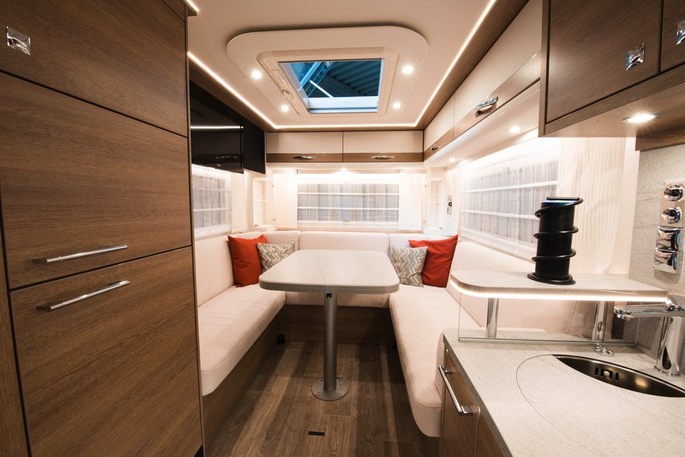 All-electric motorhome is completely covered in solar panels