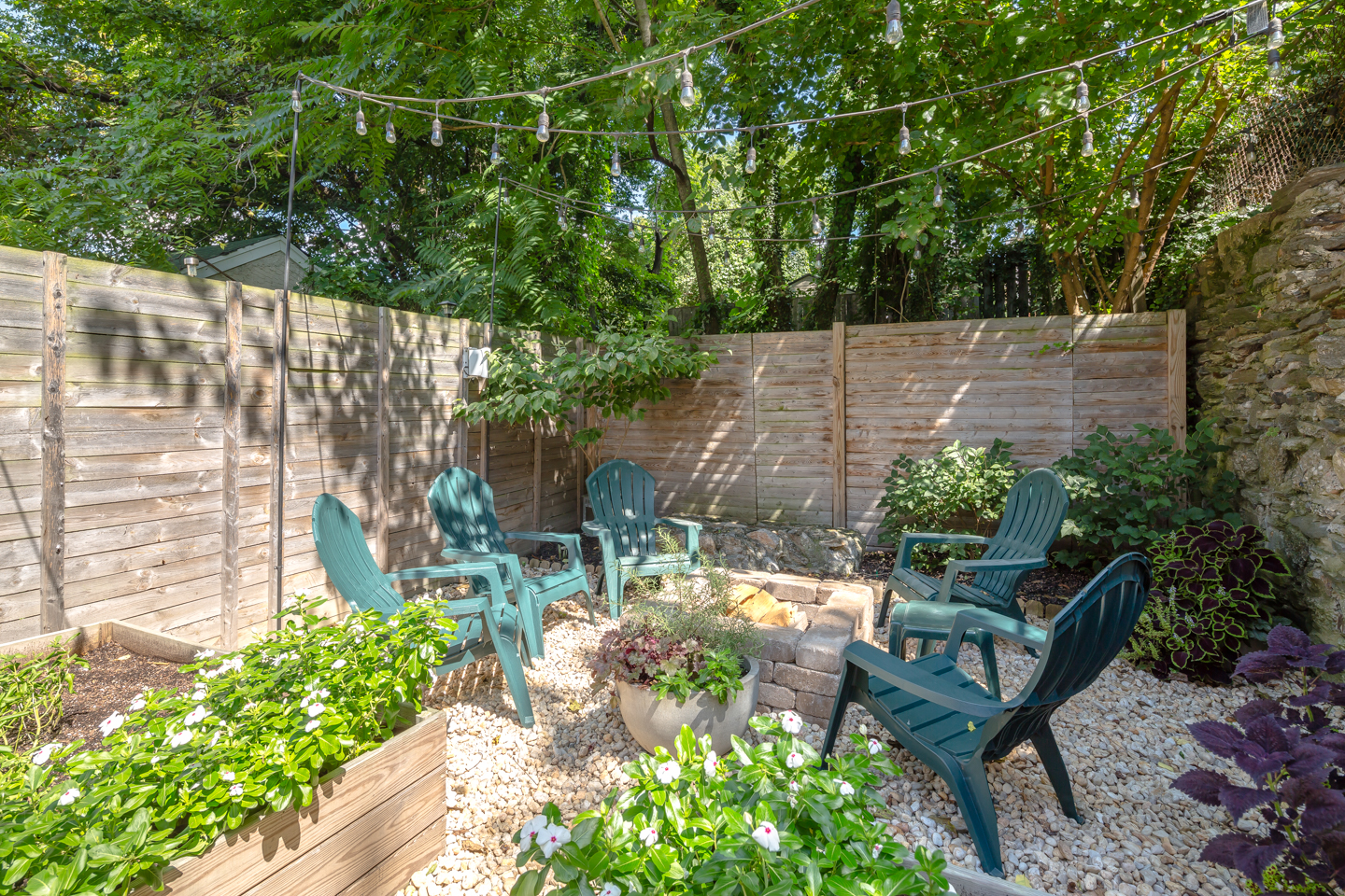 new manayunk home u0027s backyard is an oasis asks 550k curbed philly