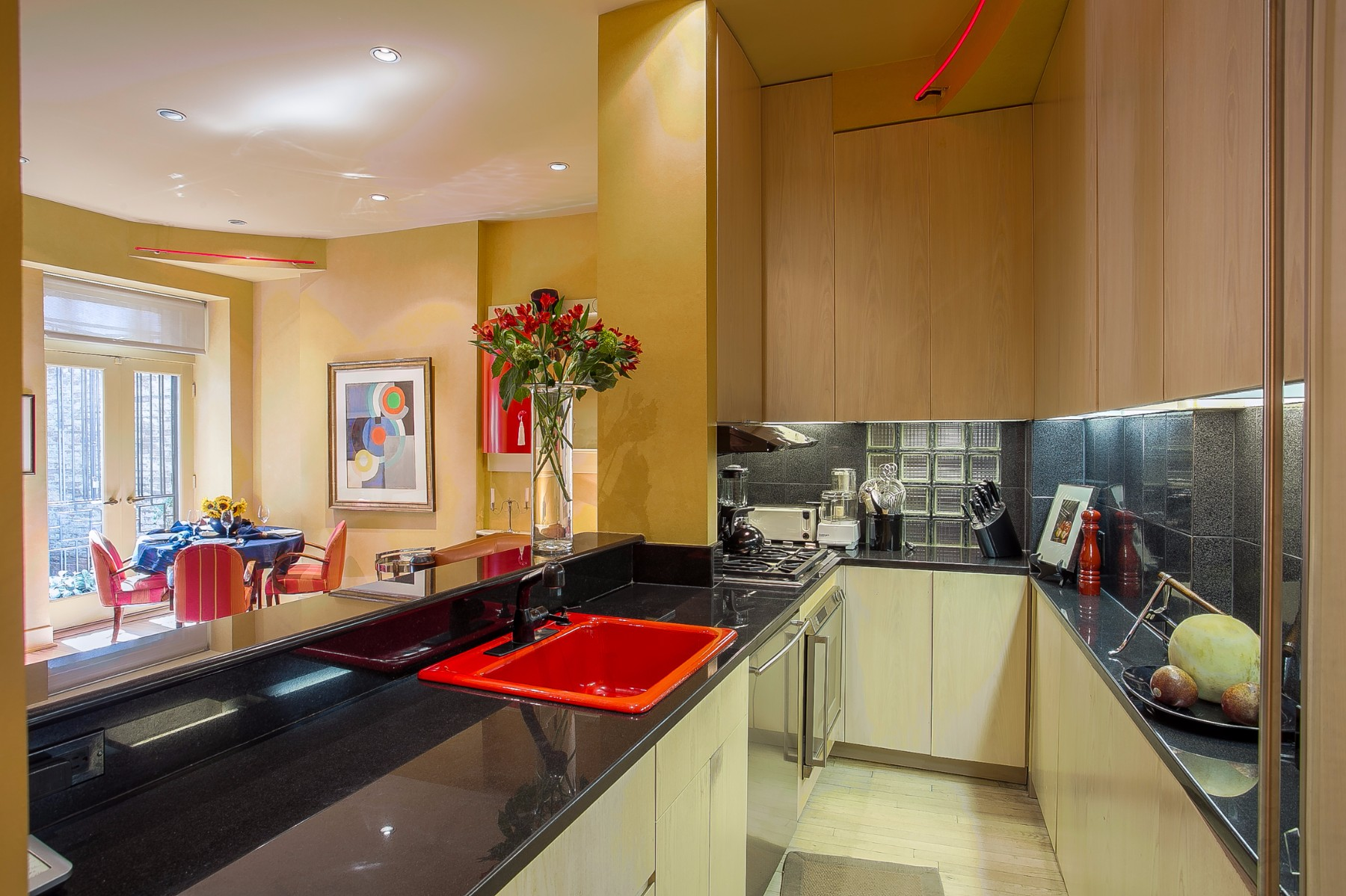 Two Bedroom Two Bathroom Upper East Side Duplex Is At 68 East 93rd Street Between Park And Madison Avenues Not Too Shabby Of A Location
