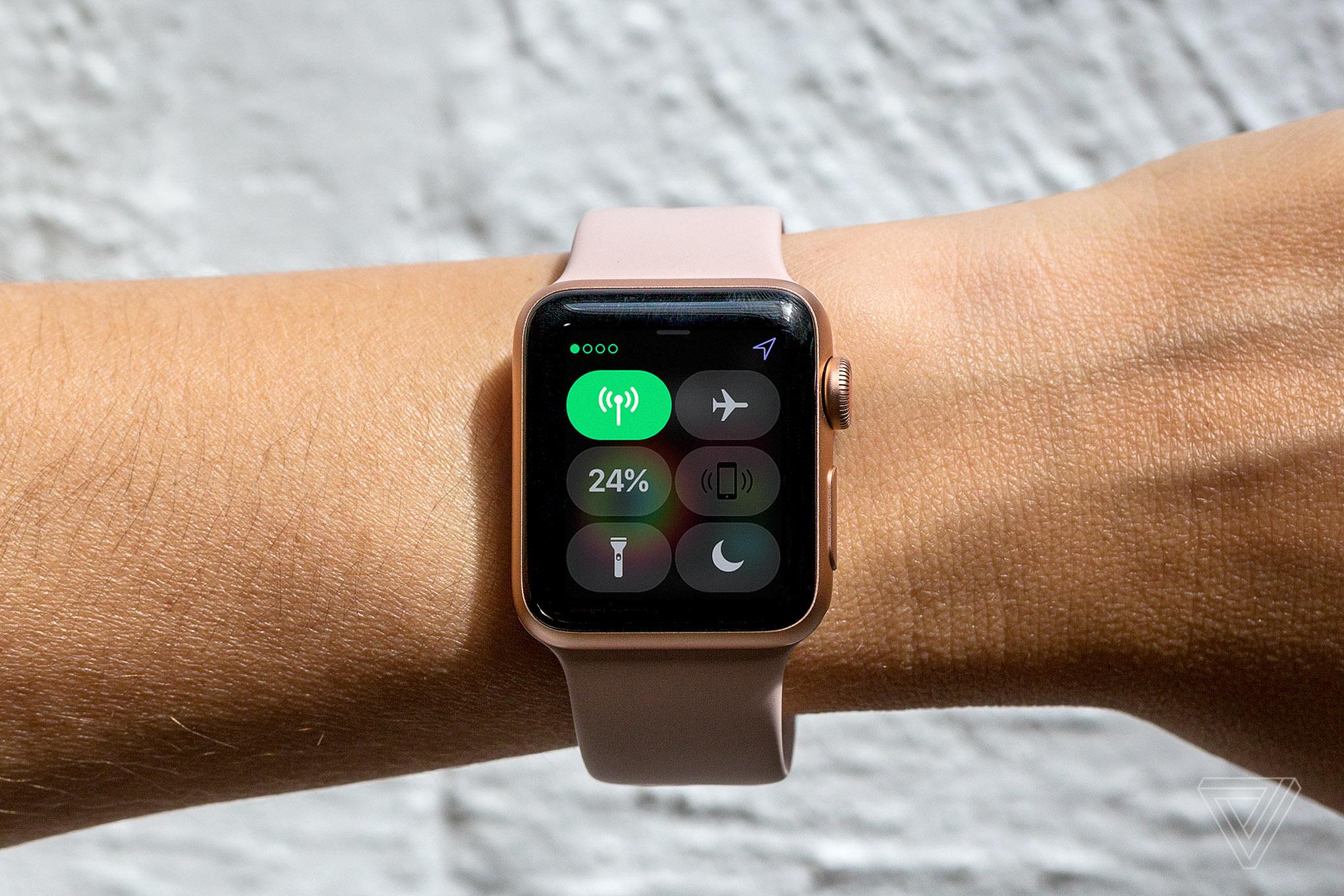 Как скачать и установить обновление прошивки watchos на apple watch.