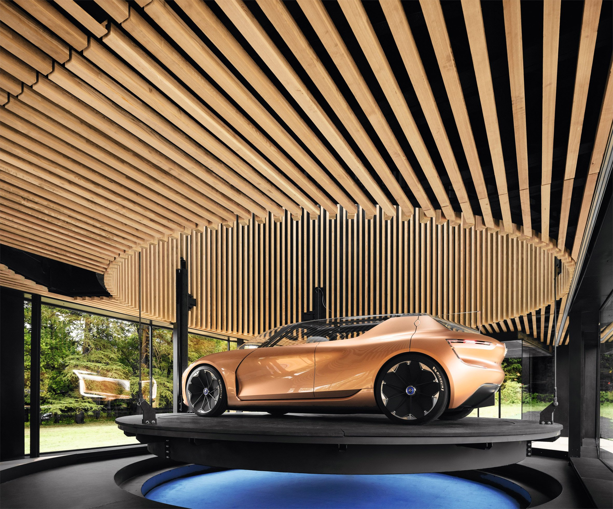 renault symbioz electric car concept doubles as a spare room curbed. Black Bedroom Furniture Sets. Home Design Ideas