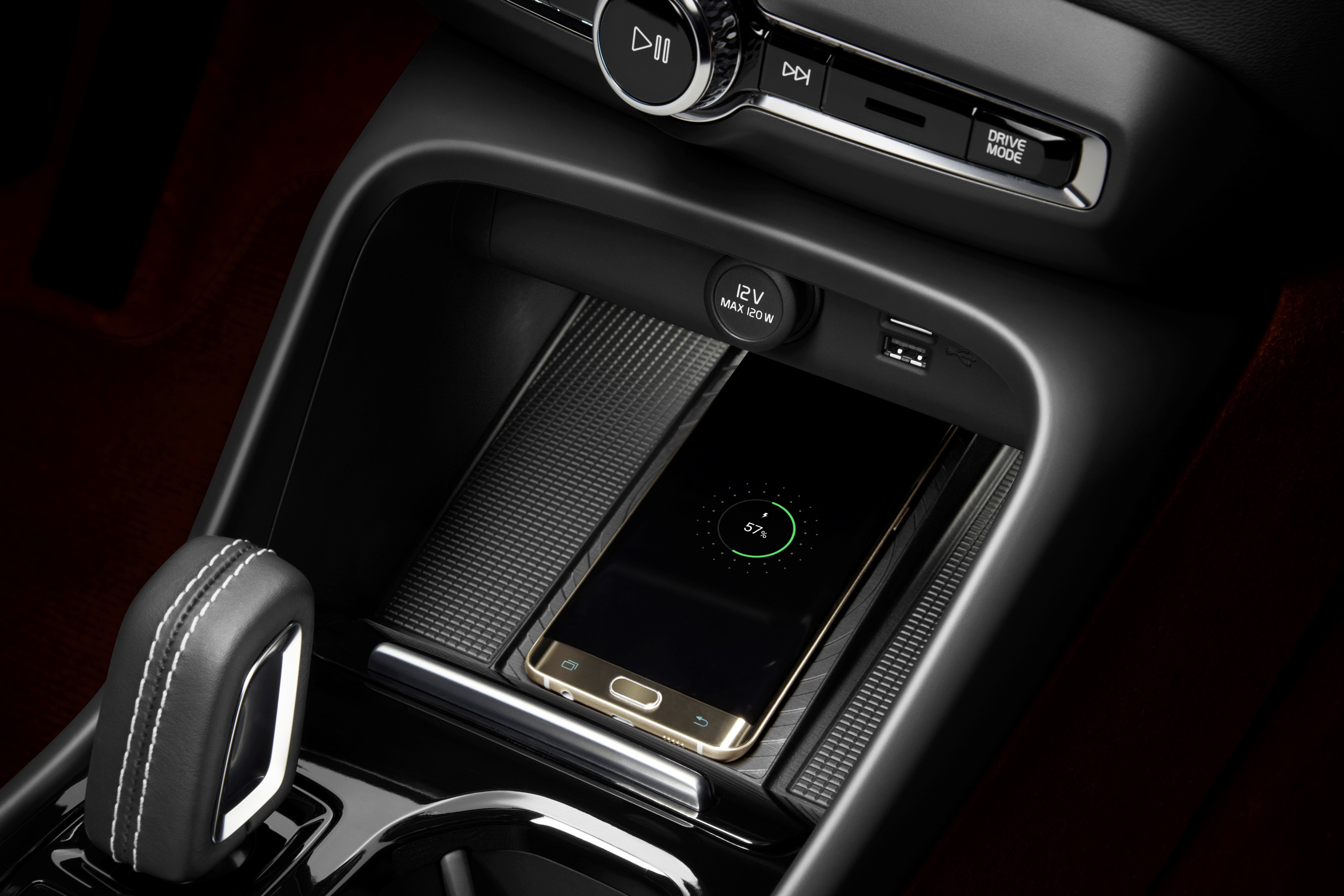 2018 volvo on call.  2018 vehicle aimed at a more techaware and citydwelling audience the xc40  is being introduced with some new services as part of volvo on call app inside 2018 volvo on call