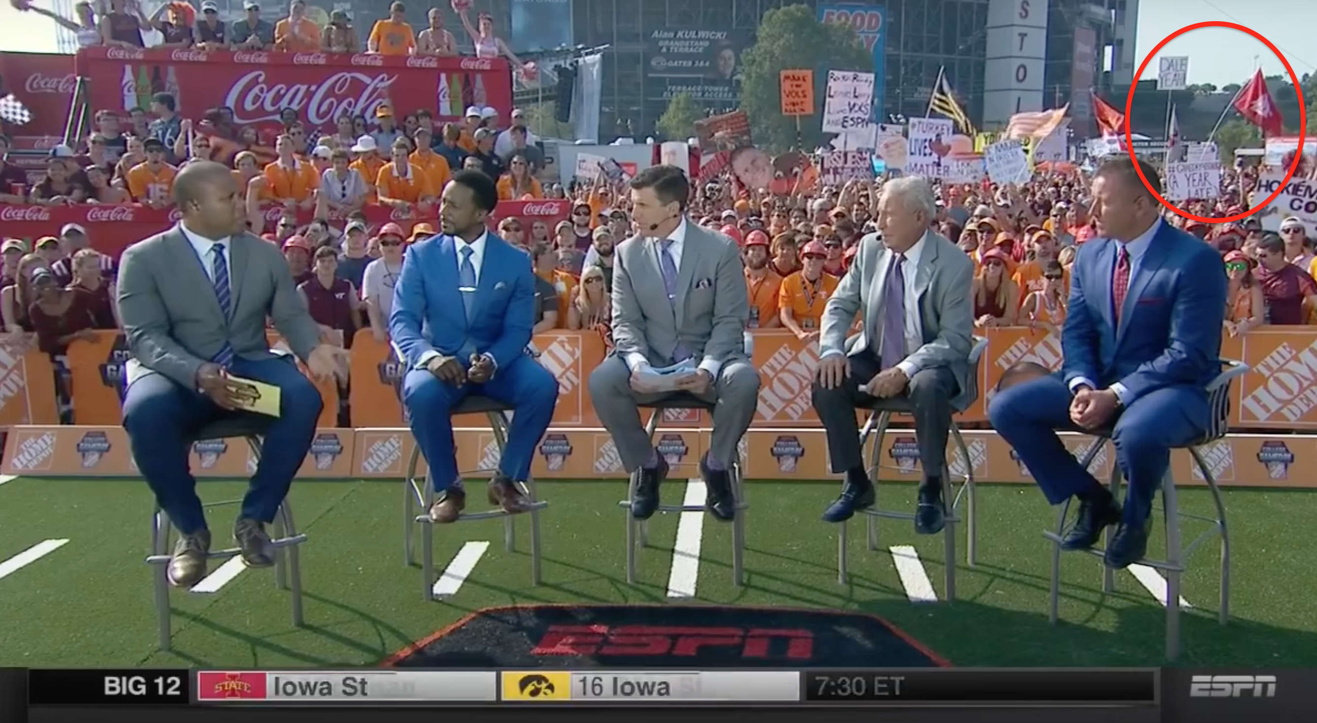 db799d33036 9 cool things about Washington State's amazing flag streak on 'College  GameDay'