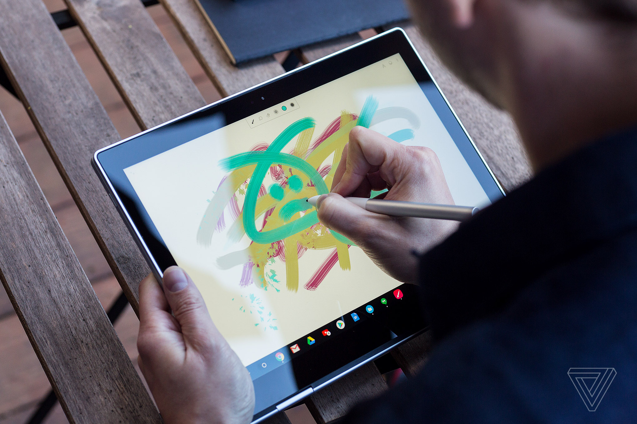 Google Announces High End Pixelbook Laptop With A Stylus