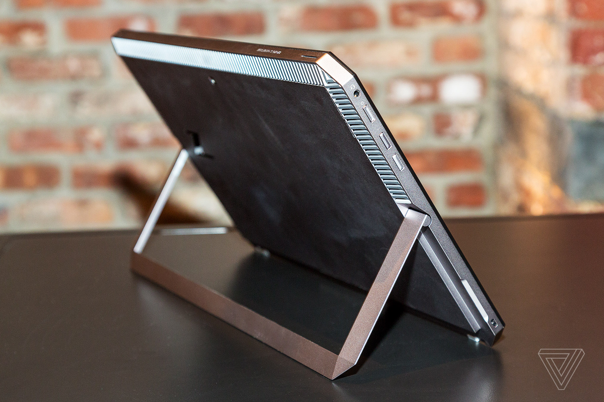 HP targets creative pros with powerful 2-in-1 mobile workstation