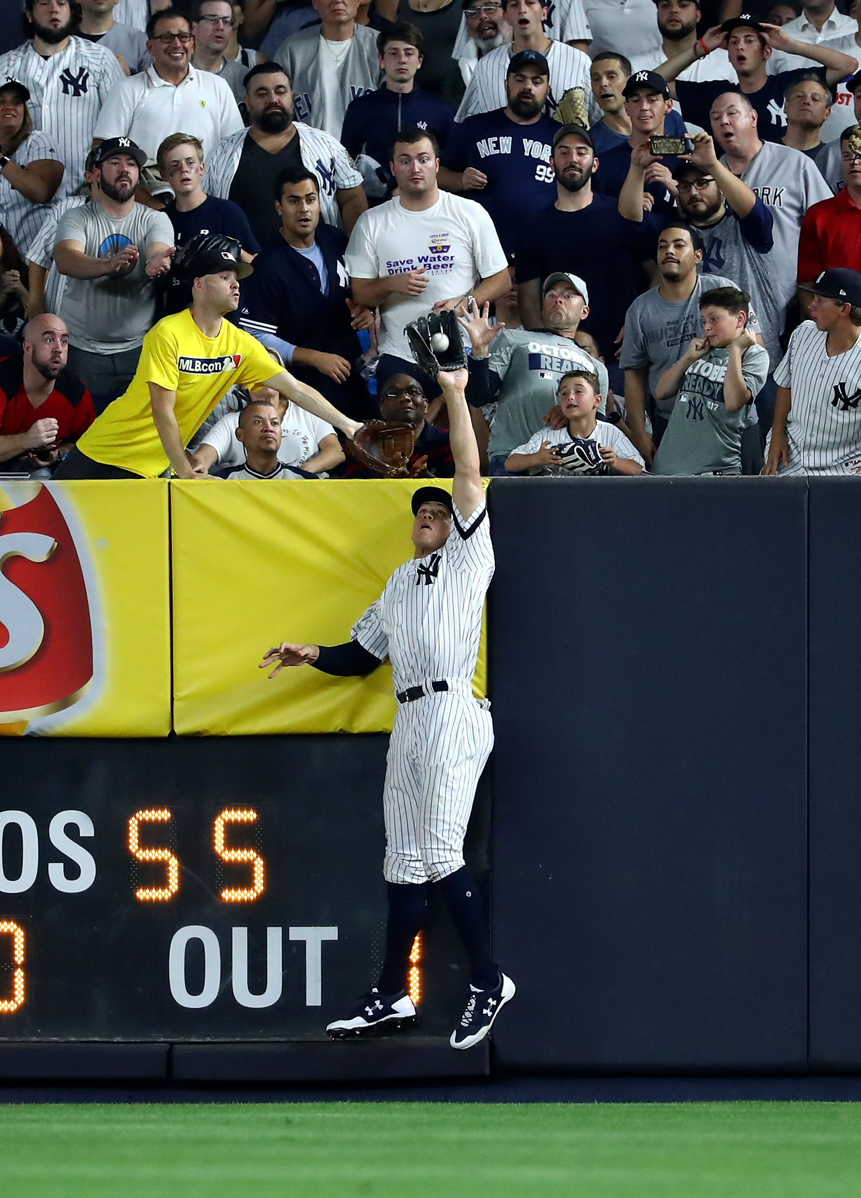 7 best crowd reactions to Aaron Judge's spectacular catch in Game 3 of the ALDS