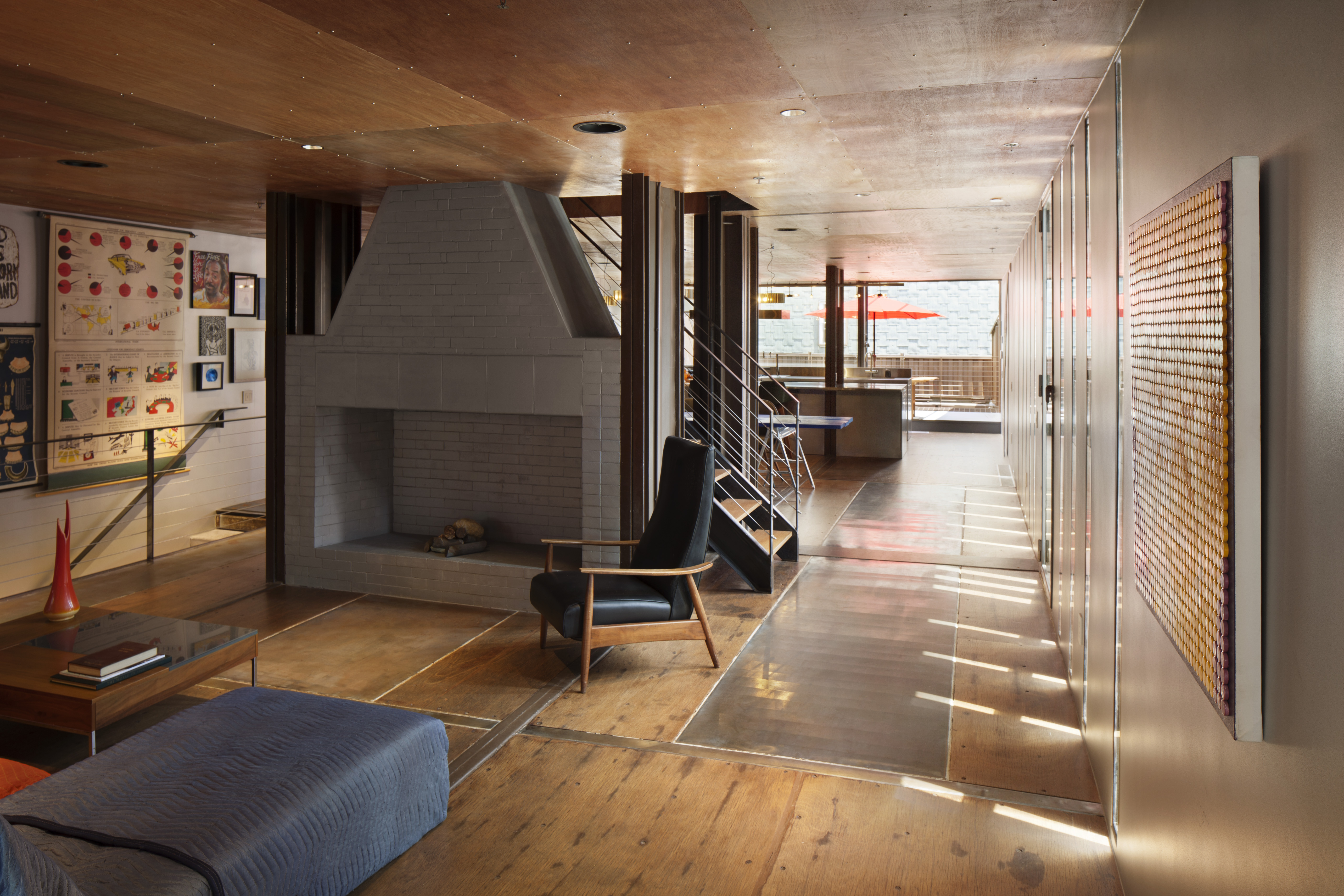 Peek inside a williamsburg townhouse made entirely of for Inside container homes