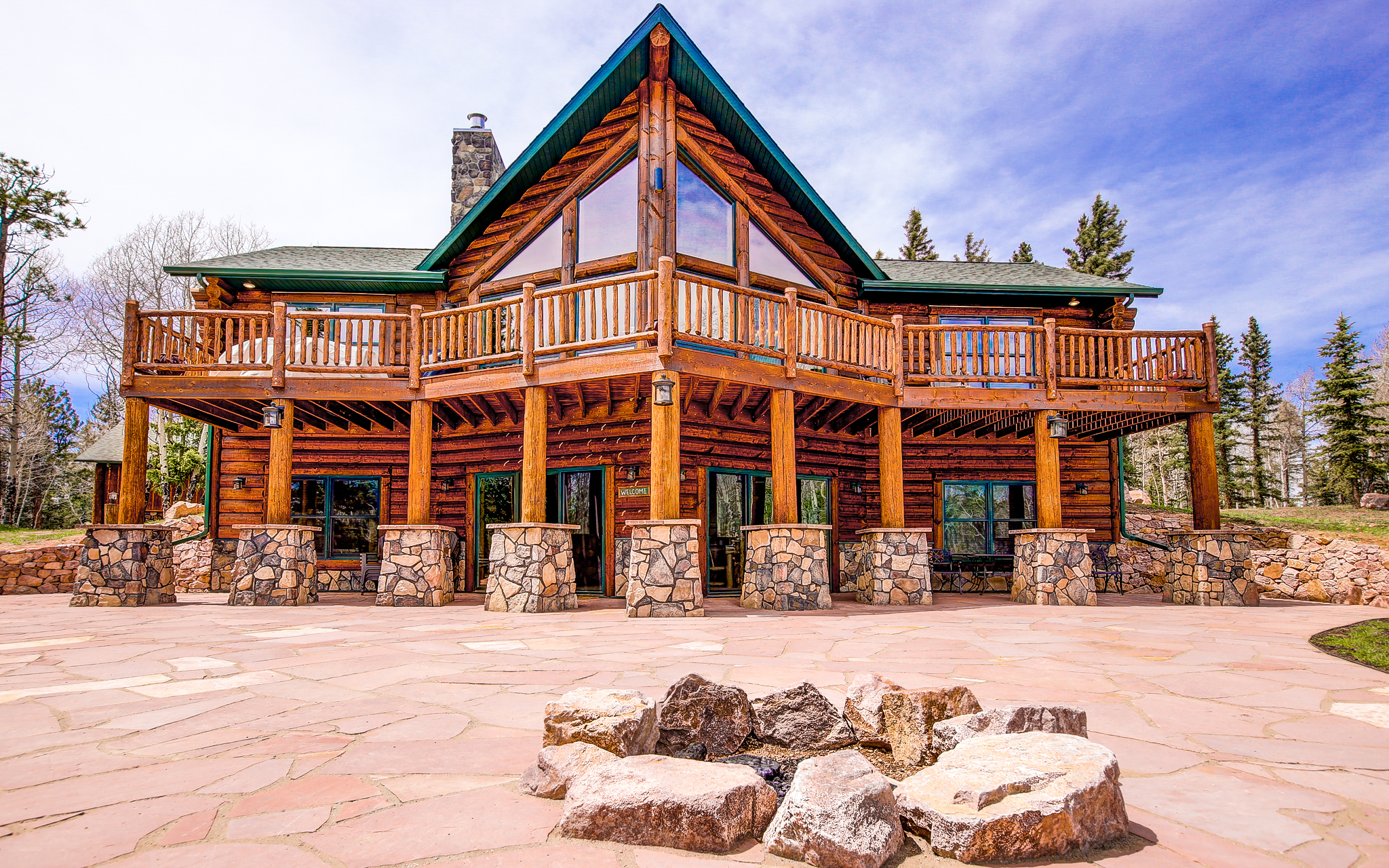 Log cabin kits let you build your dream mountain retreat for Log cabins homes