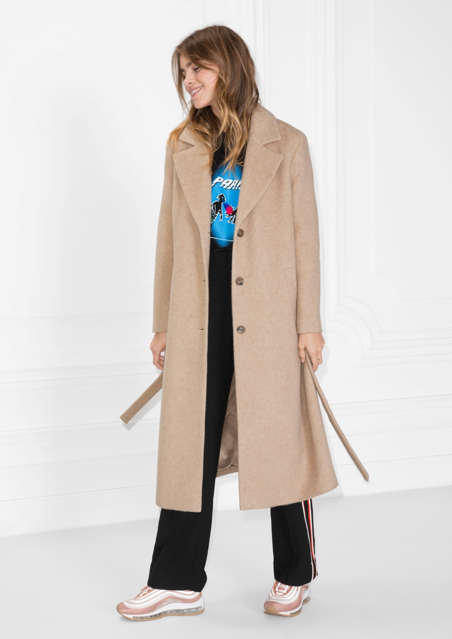 Where Can I Find a Camel Robe Coat That Doesn't Look Like ...