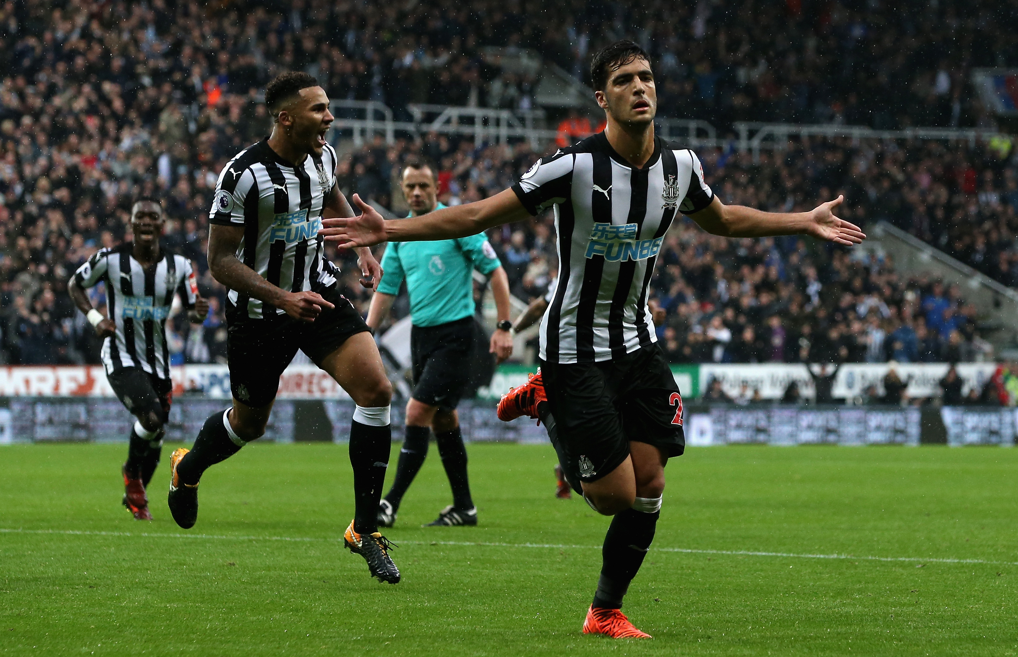 Newcastle boss Benitez to be handed £500 MILLION for transfer plans
