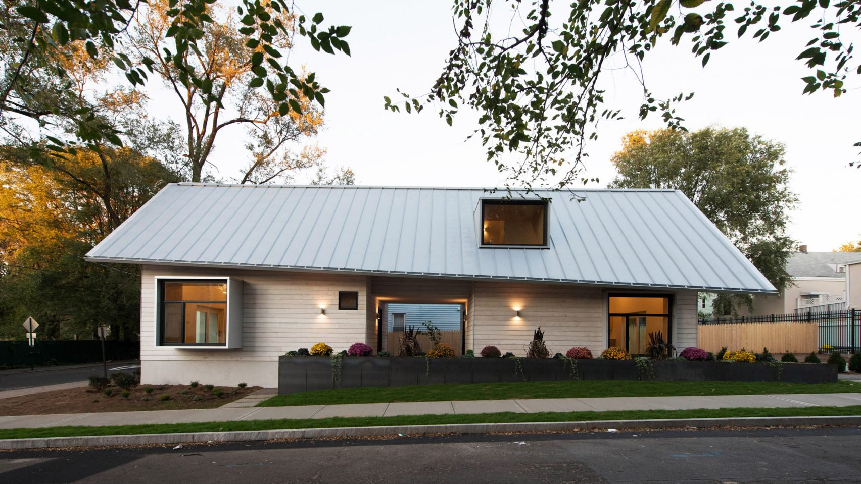 Yale architecture students designed this prefab home for for Small efficient house