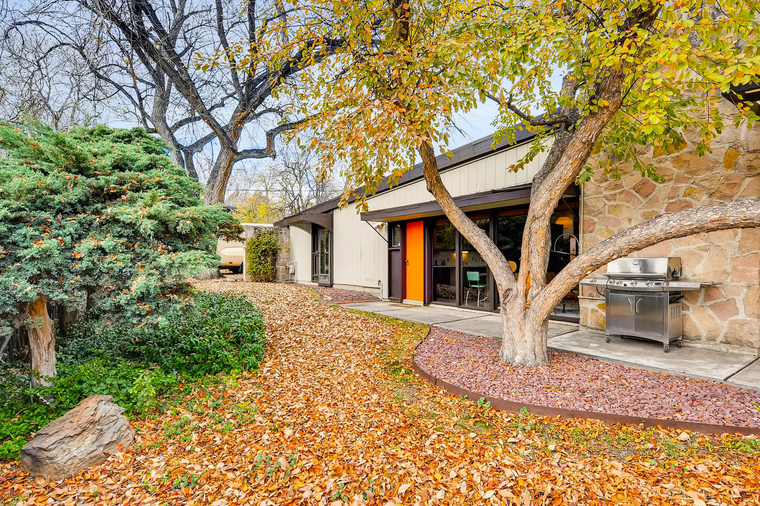 Midcentury Home By Edward Hawkins Asks 595k Curbed