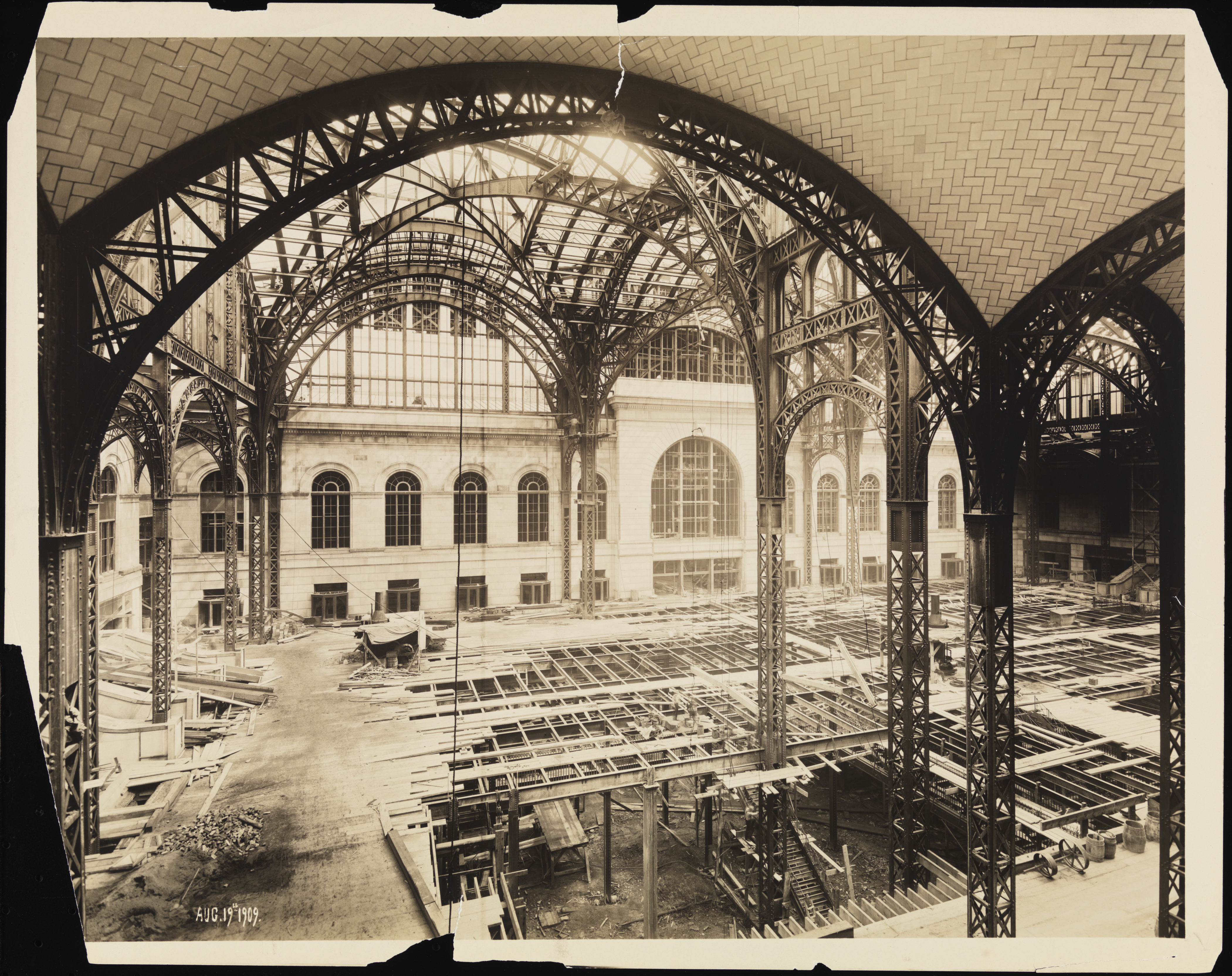 Old penn station photos the history of new york s - History of madison square garden ...