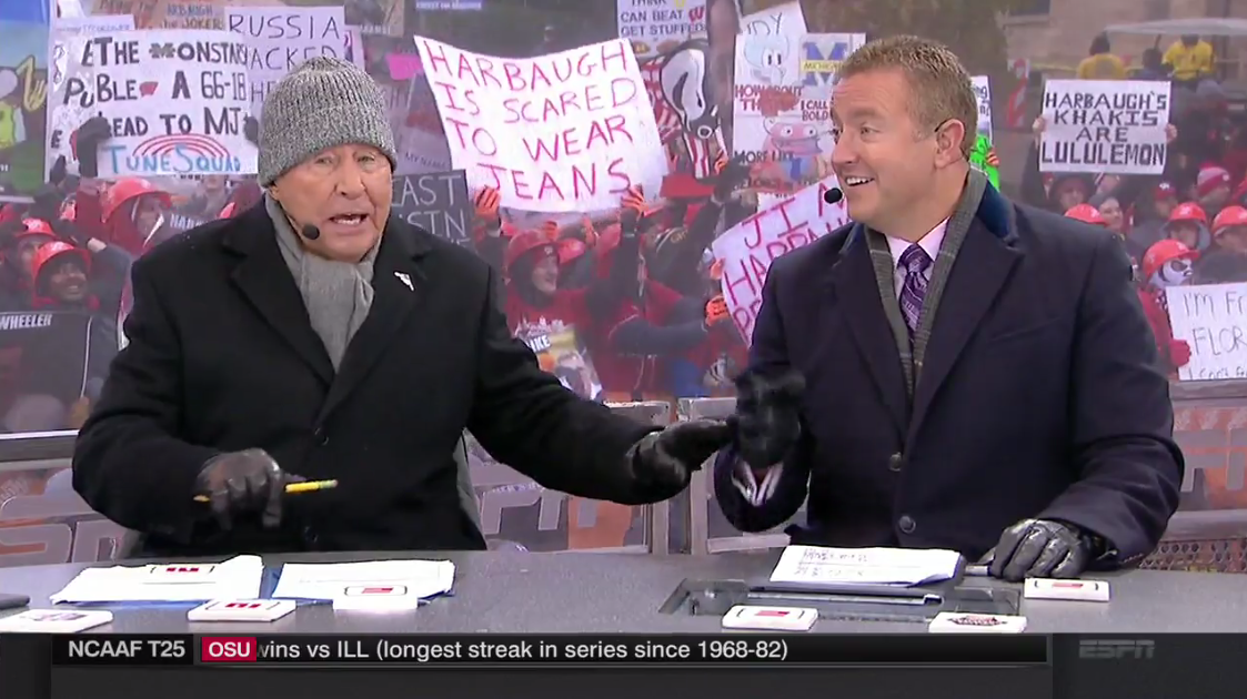 Best College GameDay Signs From Week 12: Wisconsin vs. MI