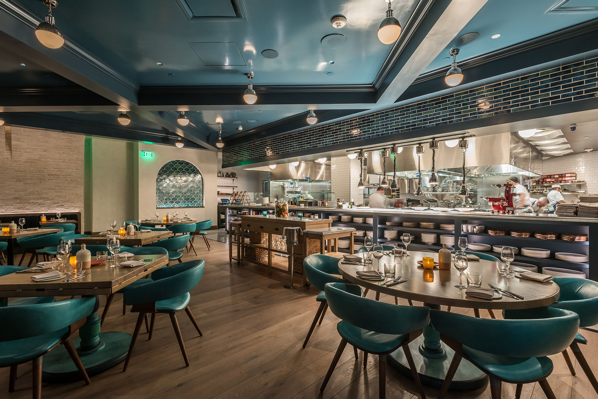 Cal Mare Is Beverly Center S New Crowning Seafood