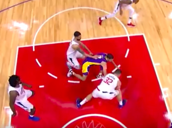 Blake Griffin Injury: Clippers Star Gruesomely Twists Knee On Scary Play