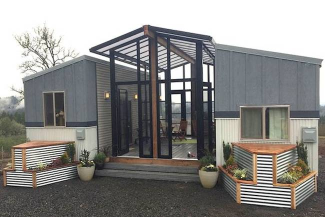 Greenhouse Connecting House To Screened In Room