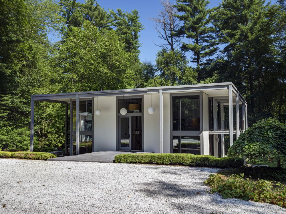 The 10 best midcentury modern homes of 2017 curbed for Mid century modern house