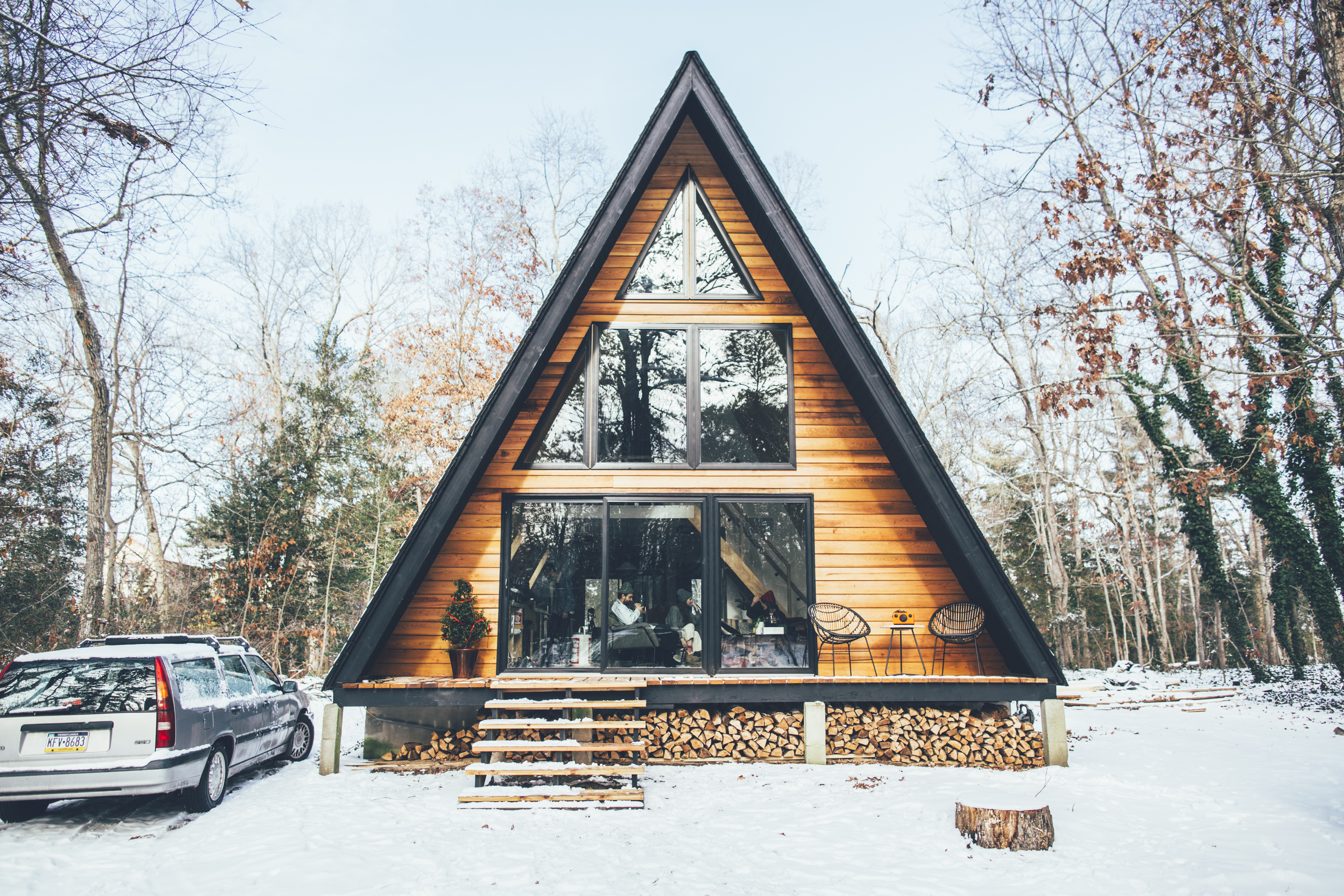 5 cozy cabins near philly to rent this winter curbed philly for Cabin getaways in nj