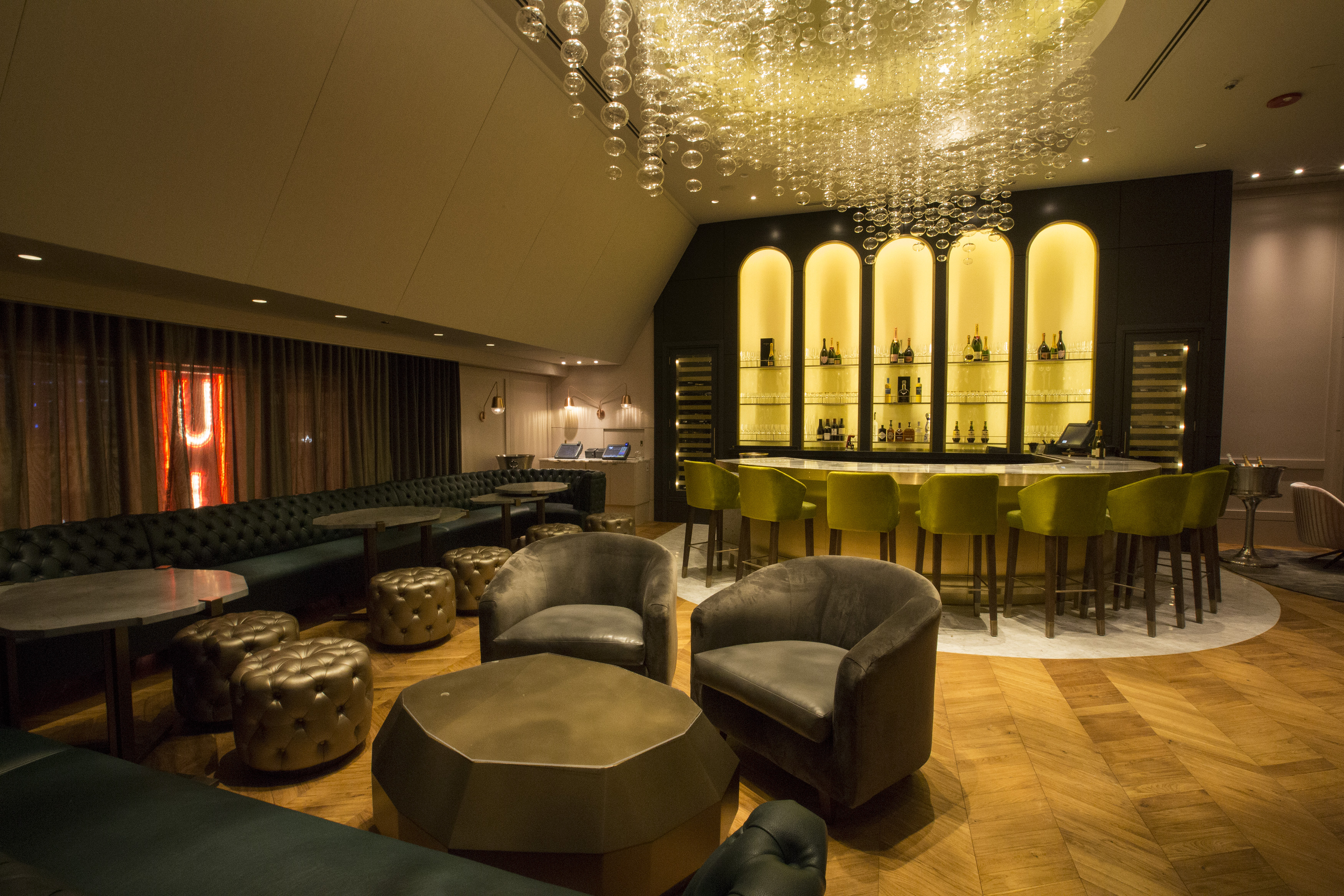 Inside Gold Coast\'s Lavish New Champagne Lounge - Eater Chicago