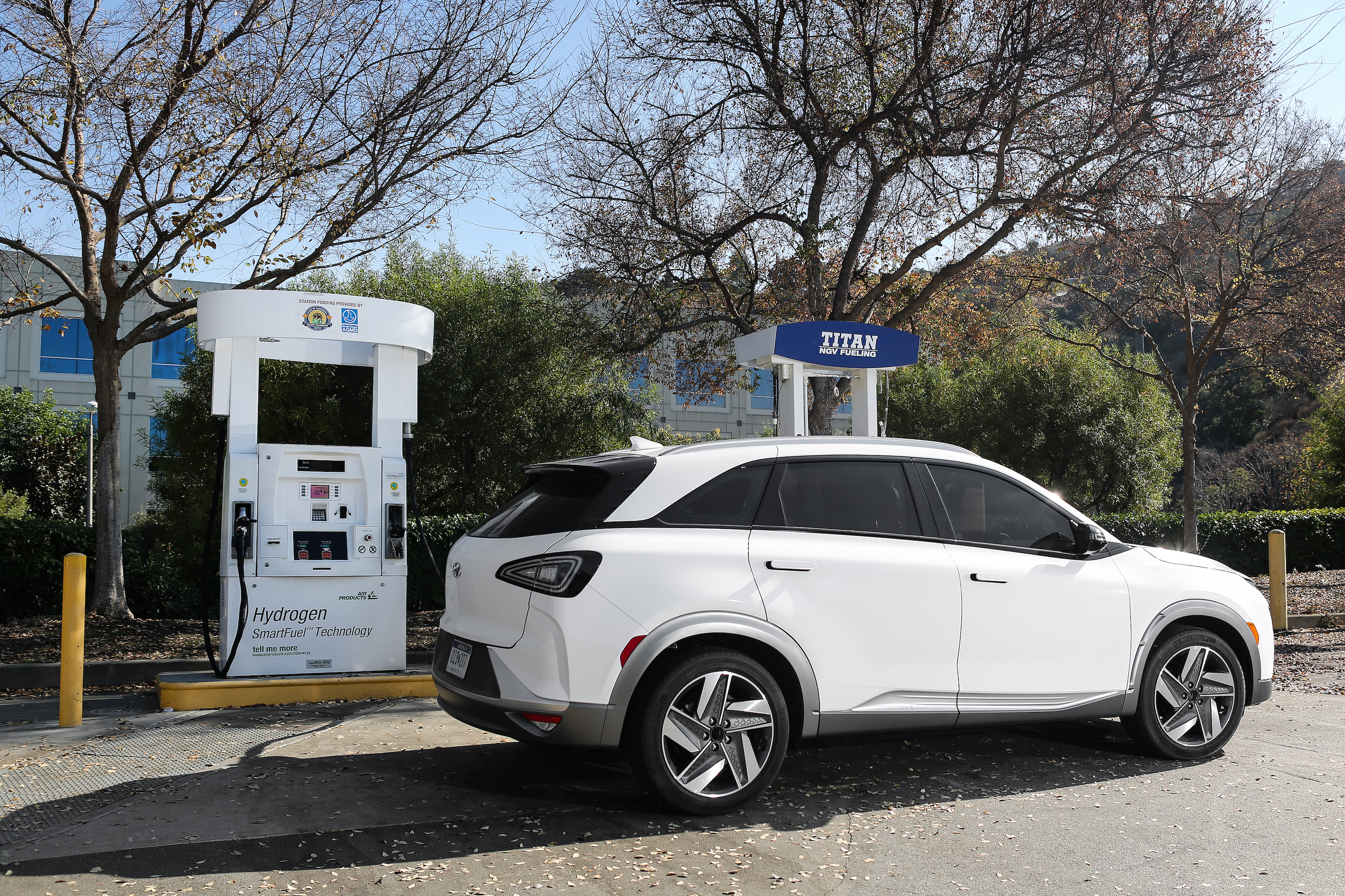 Hyundai NEXO fuel-cell SUV revealed with 370 mile range