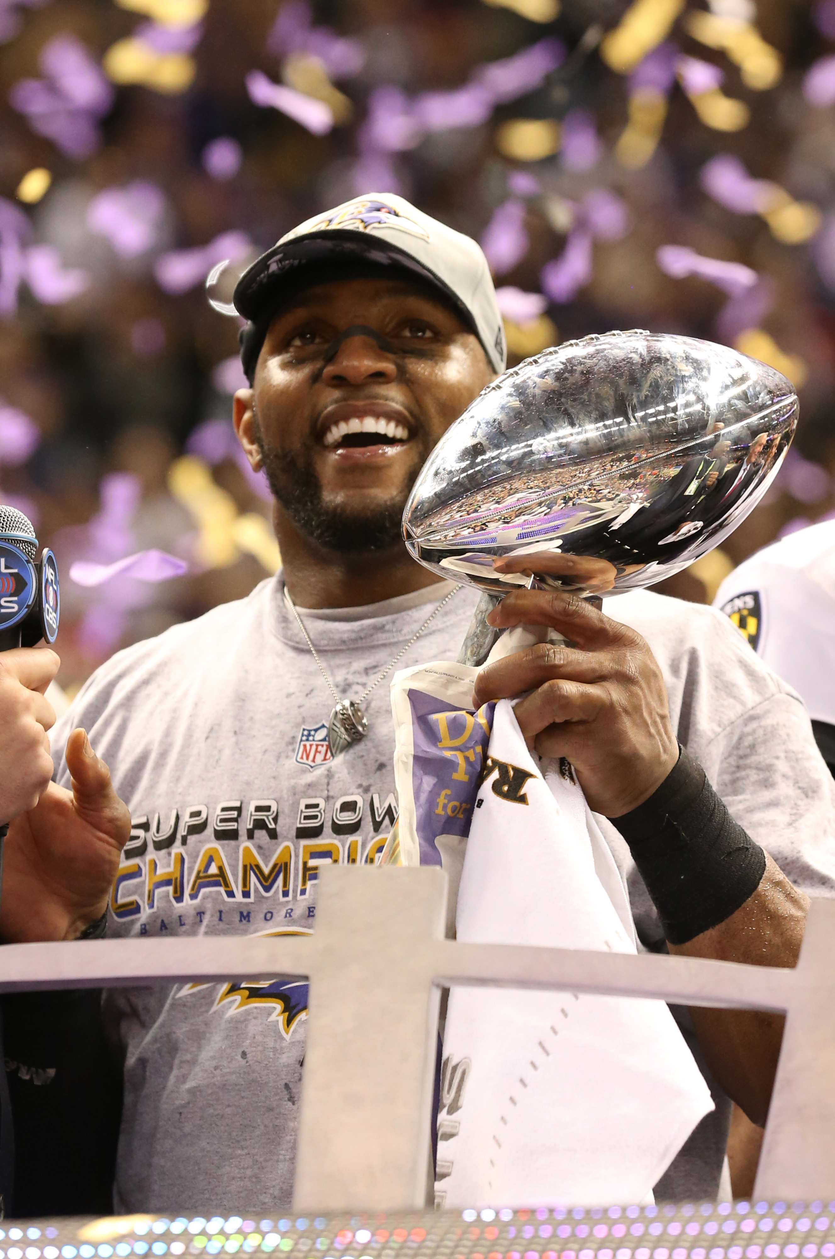 Baltimore Ravens hope to reload, repeat with Elvis Dumervil