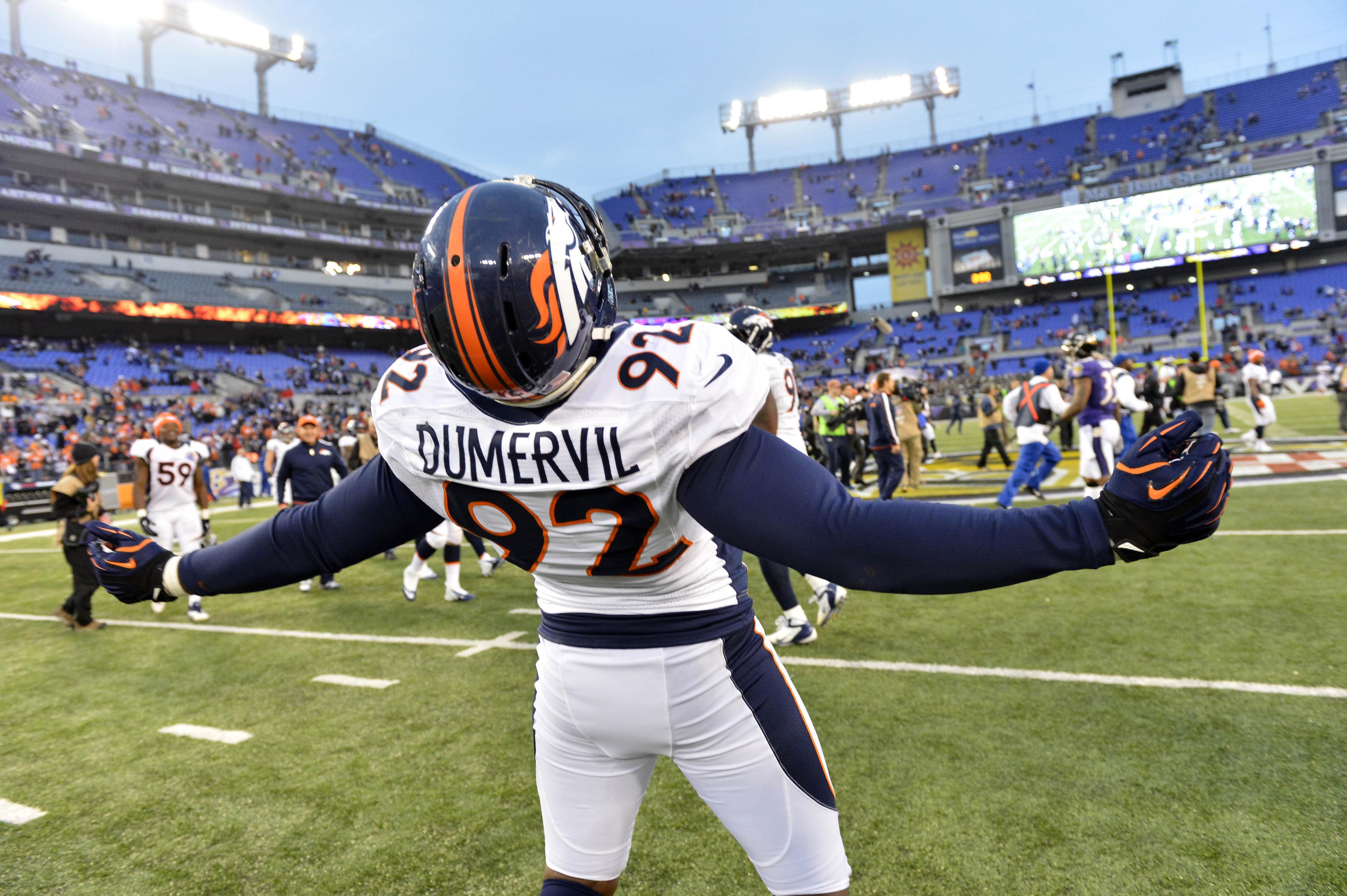 NFL free agent news: Ravens land Elvis Dumervil, Pats re-sign Sebastian Vollmer