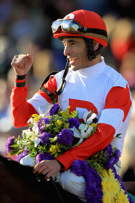 Johnny V, a winner while in the familiar Ramsey Farm silks.