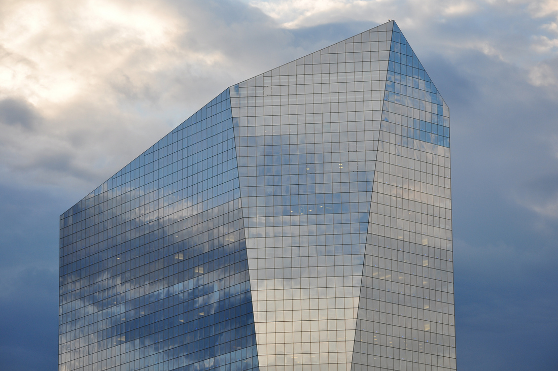 Inventing a skyscraper console: How a professor is bringing Pong to Philadelphia's Cira Centre