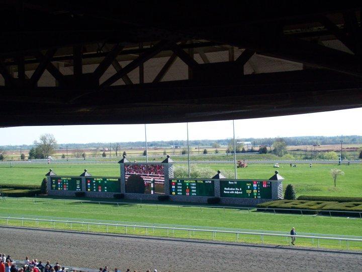 Keeneland Grandstand Photo