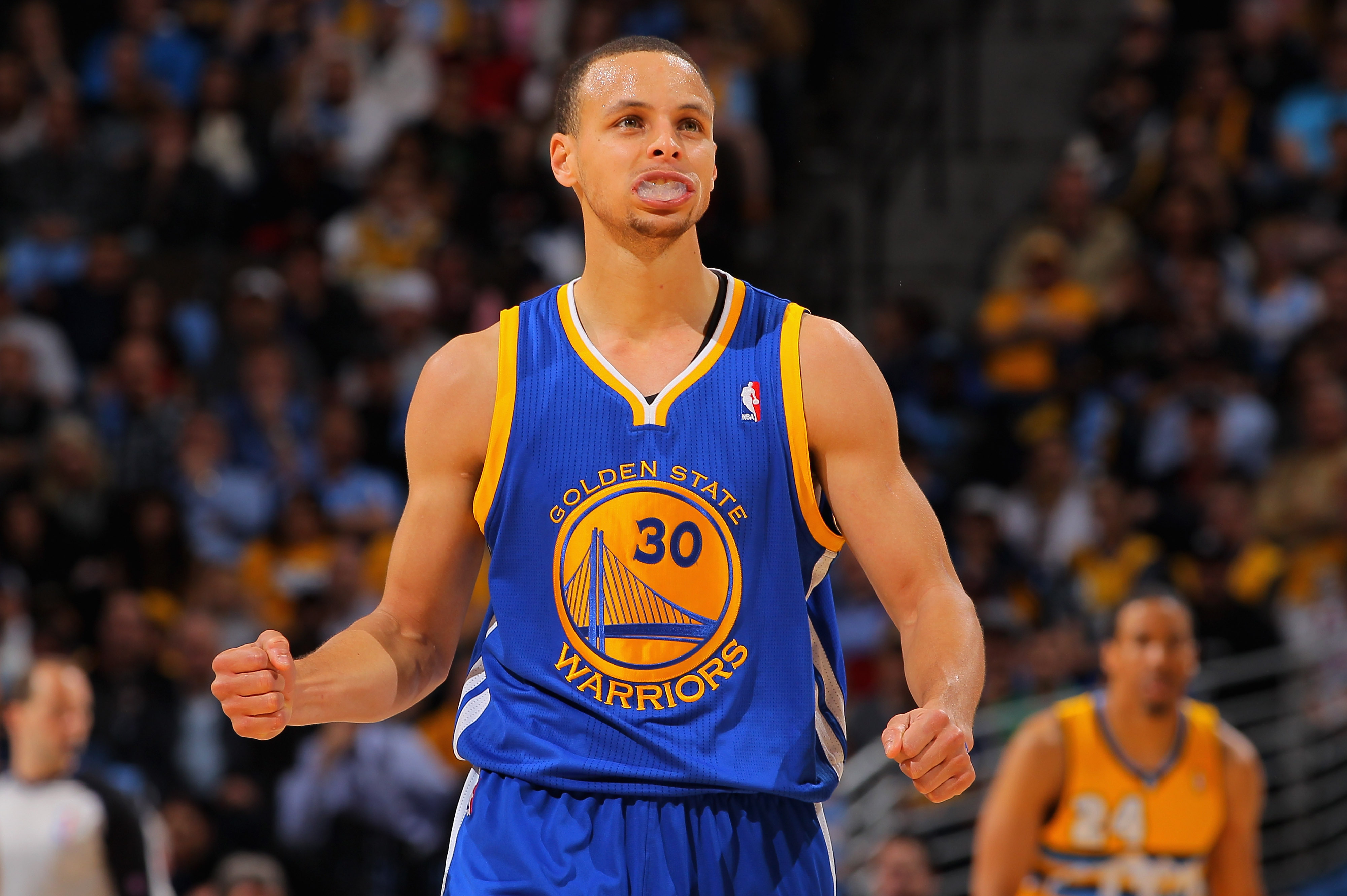 Curry's second quarter performance was both extraordinary and increasingly ordinary.