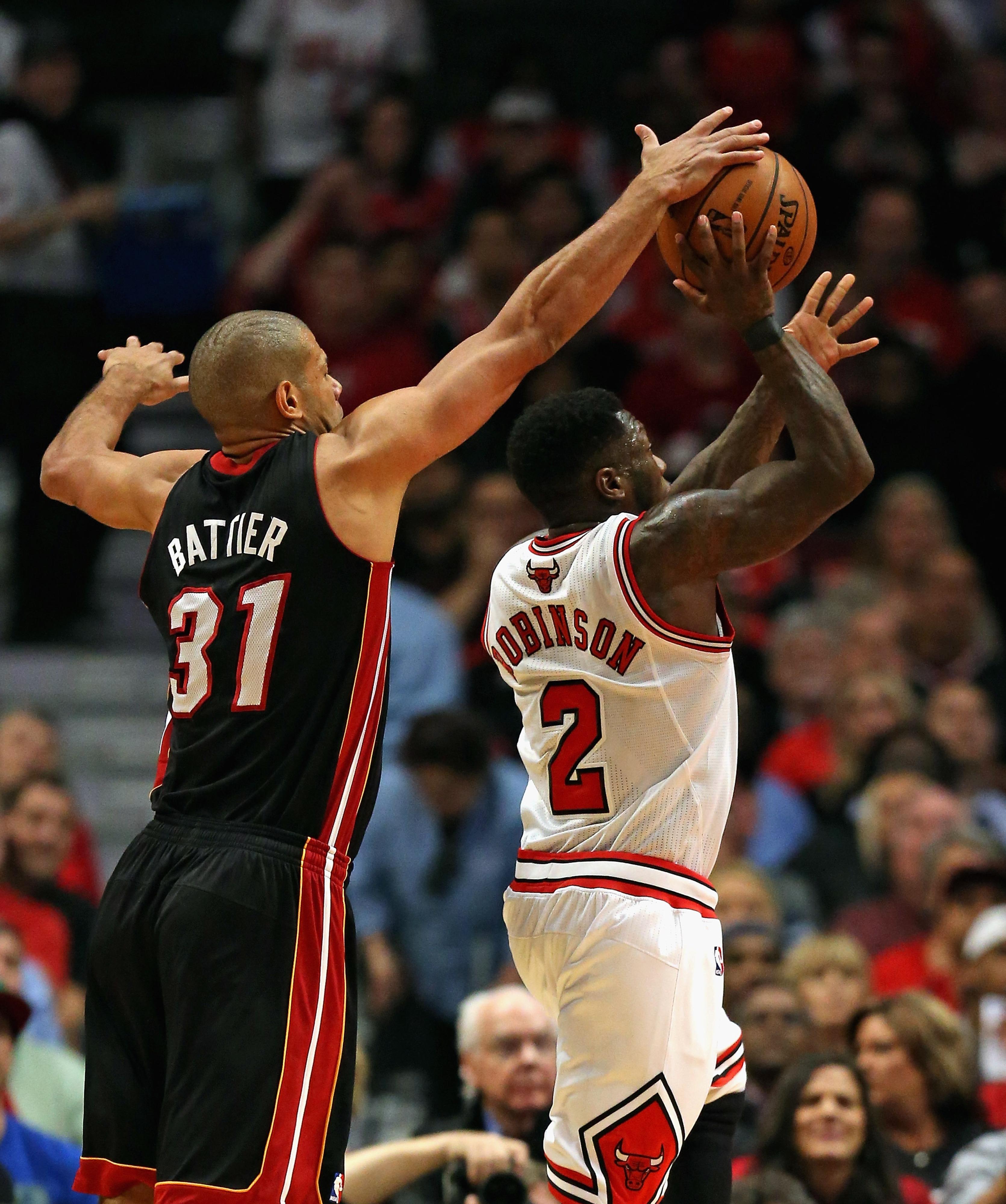Heat vs. Bulls Game 4, NBA Playoffs 2013: Miami mashes frigid Chicago squad, 88-65