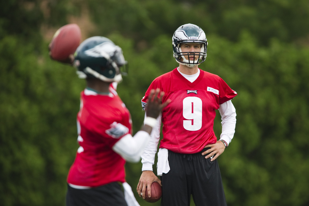 Michael Vick, Nick Foles split 1st team reps at Eagles minicamp