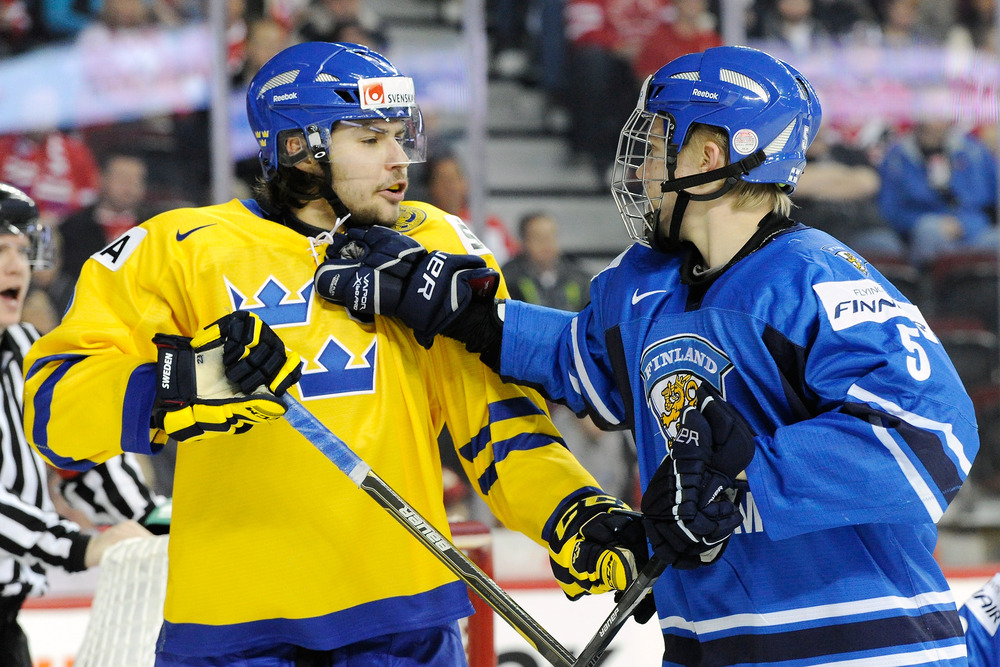 Rasmus exchanges some undoubtedly kind words with his Swedish counterpart.