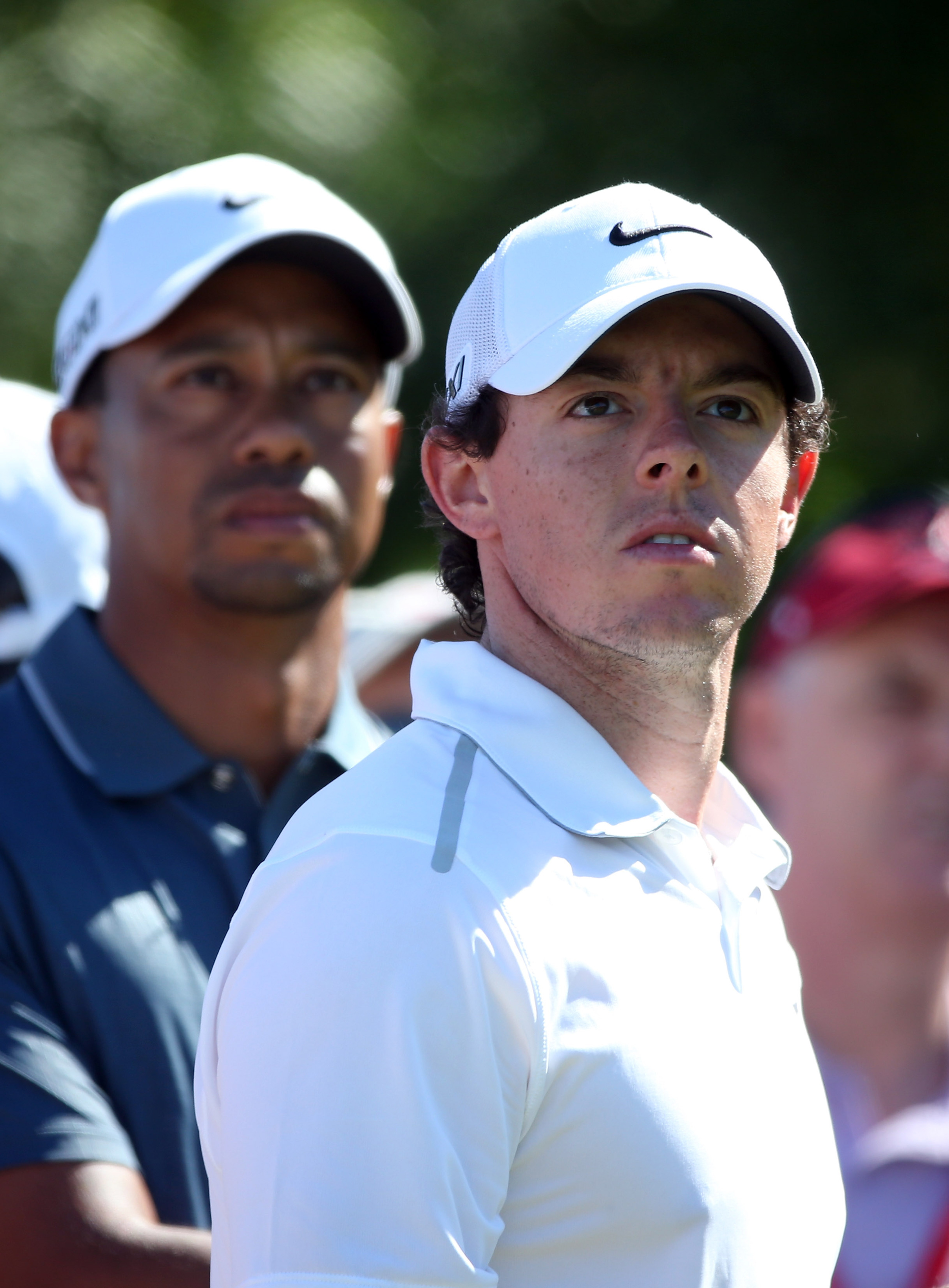 Tiger Woods leaving Rory McIlroy in his dust