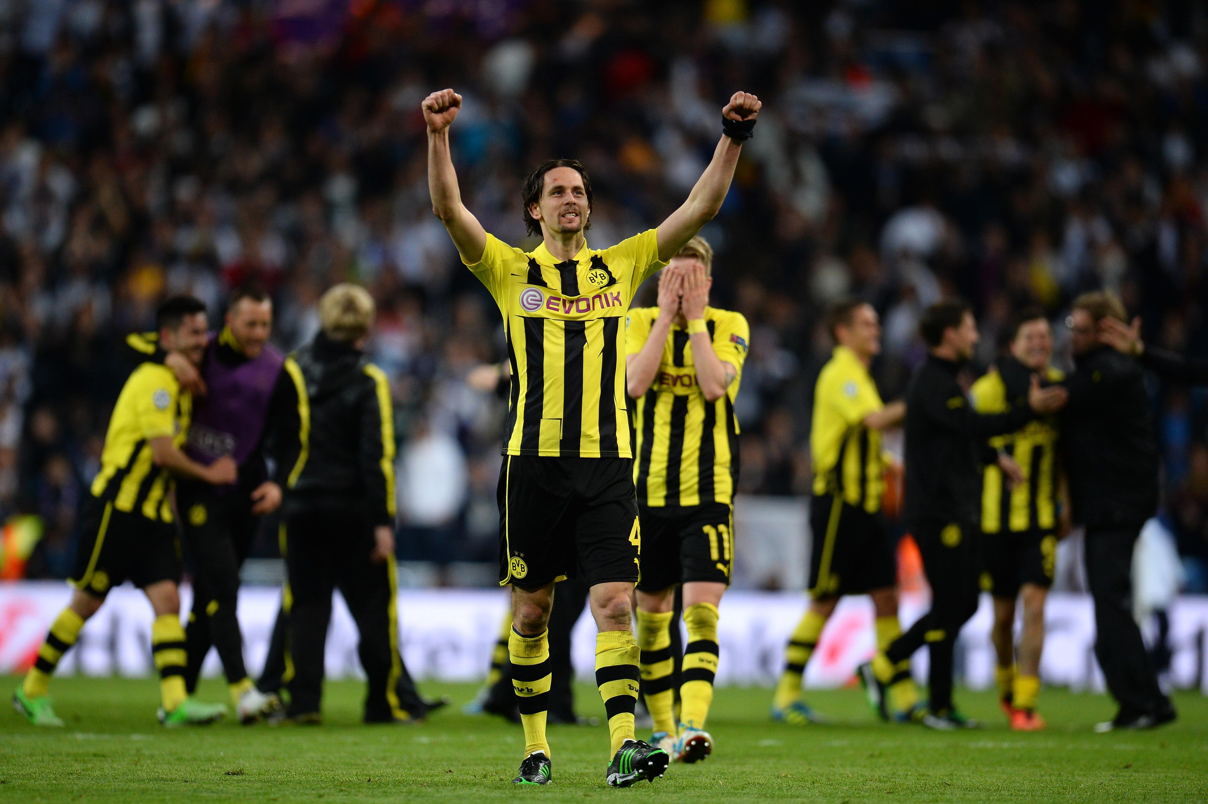 Neven Subotic makes amazing clearance, is new Dortmund god