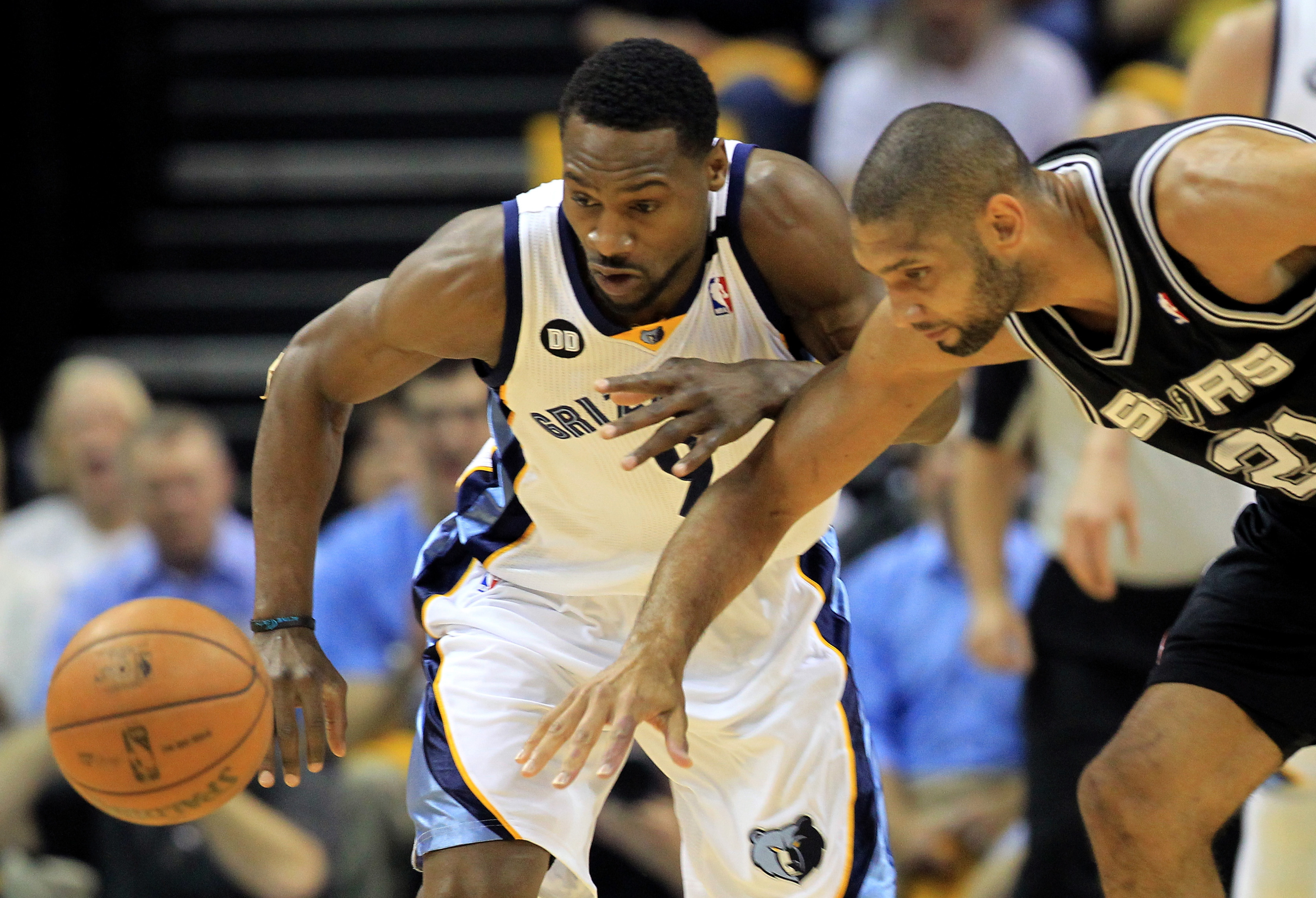 Spurs vs. Grizzlies Game 3, NBA Playoffs 2013: San Antonio storms back for 104-93 overtime win